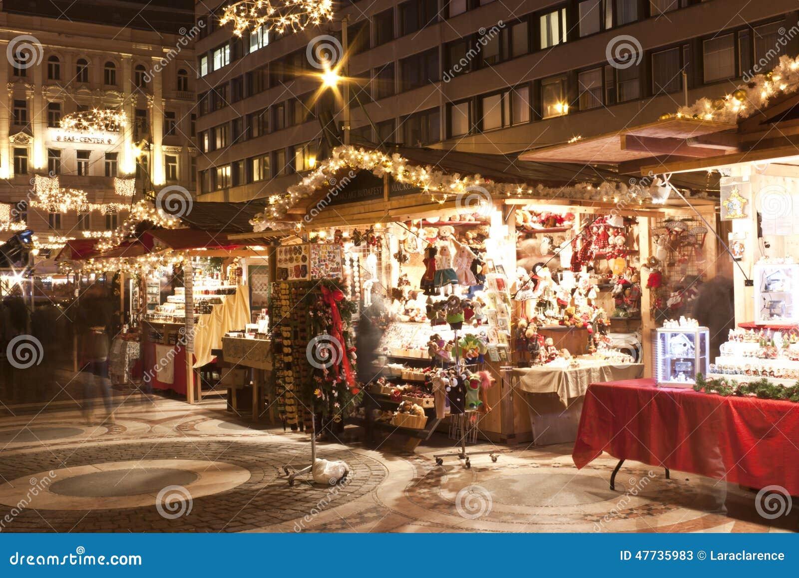 La fiera di Natale sta prima del san Stephen Basilica