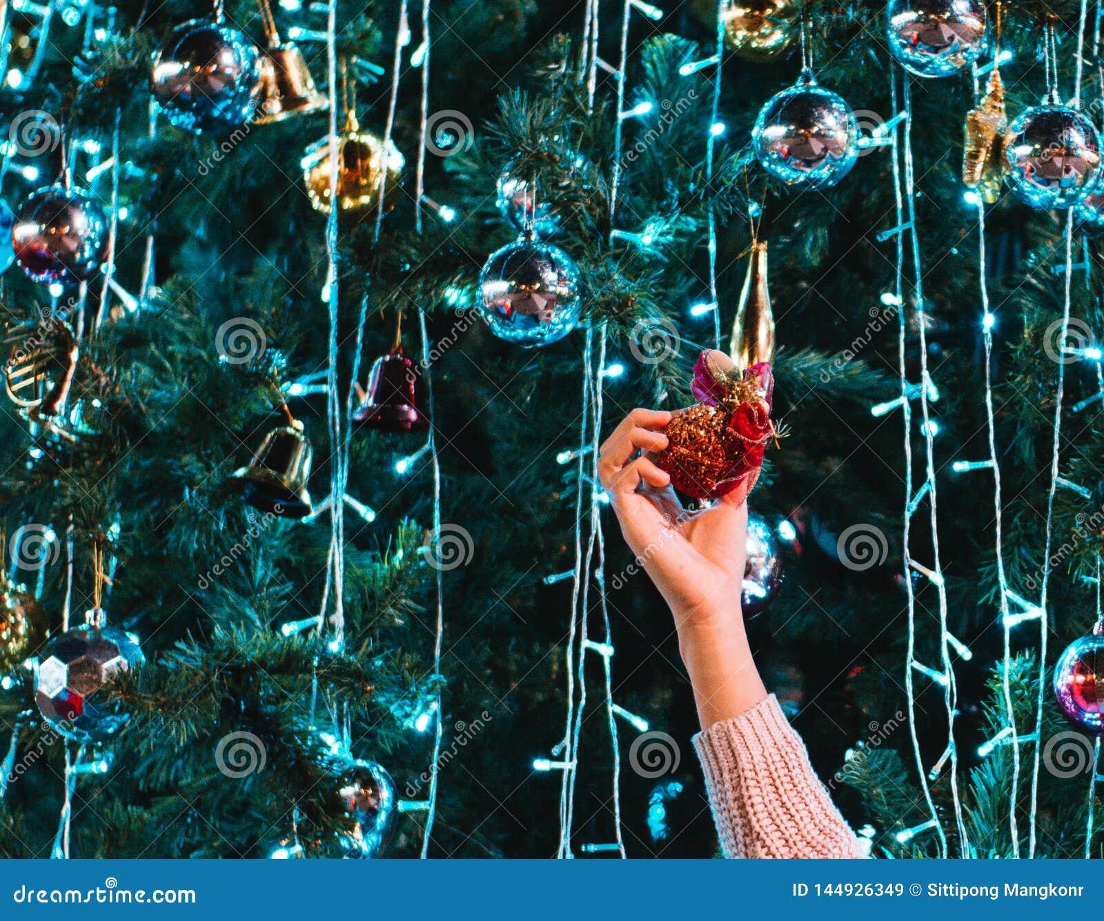 La fille avec Noël