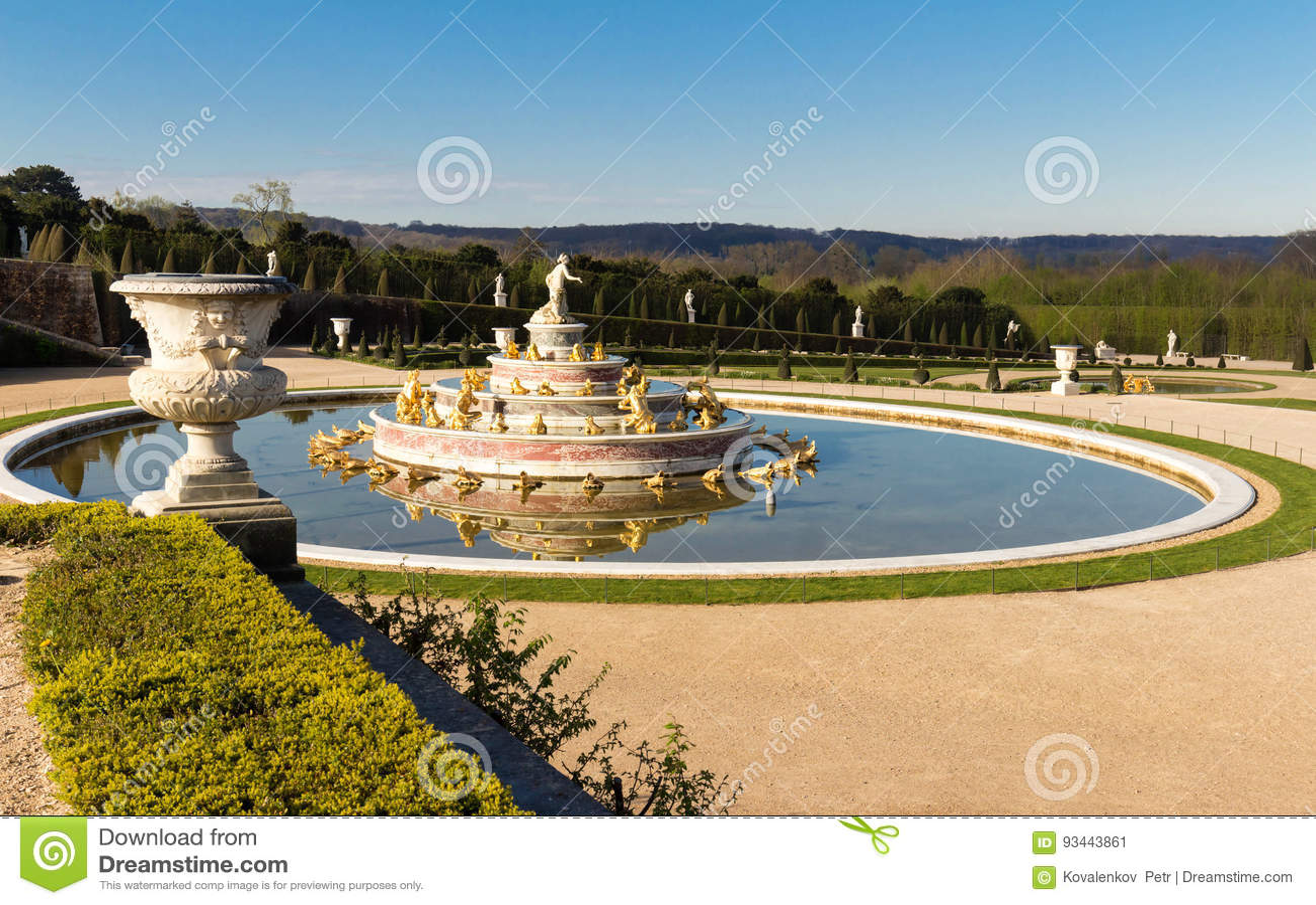 Foto i giardini della reggia di versailles a parigi