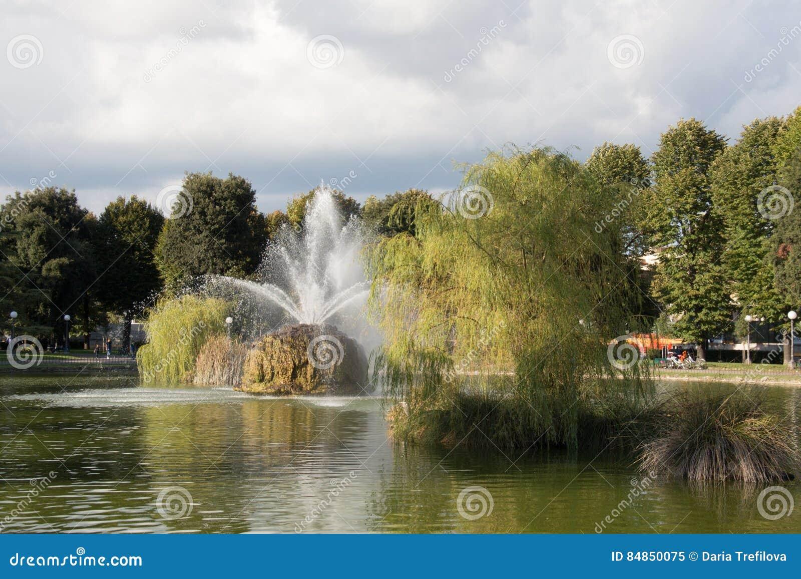 Fontane Da Giardino Firenze.La Fontana Nel Giardino Del Basso Di Fortezza Da Firenze L