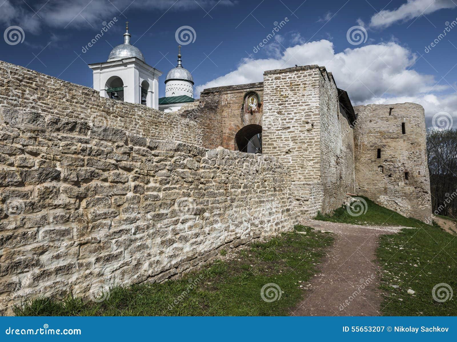 La fortaleza de Izborsk
