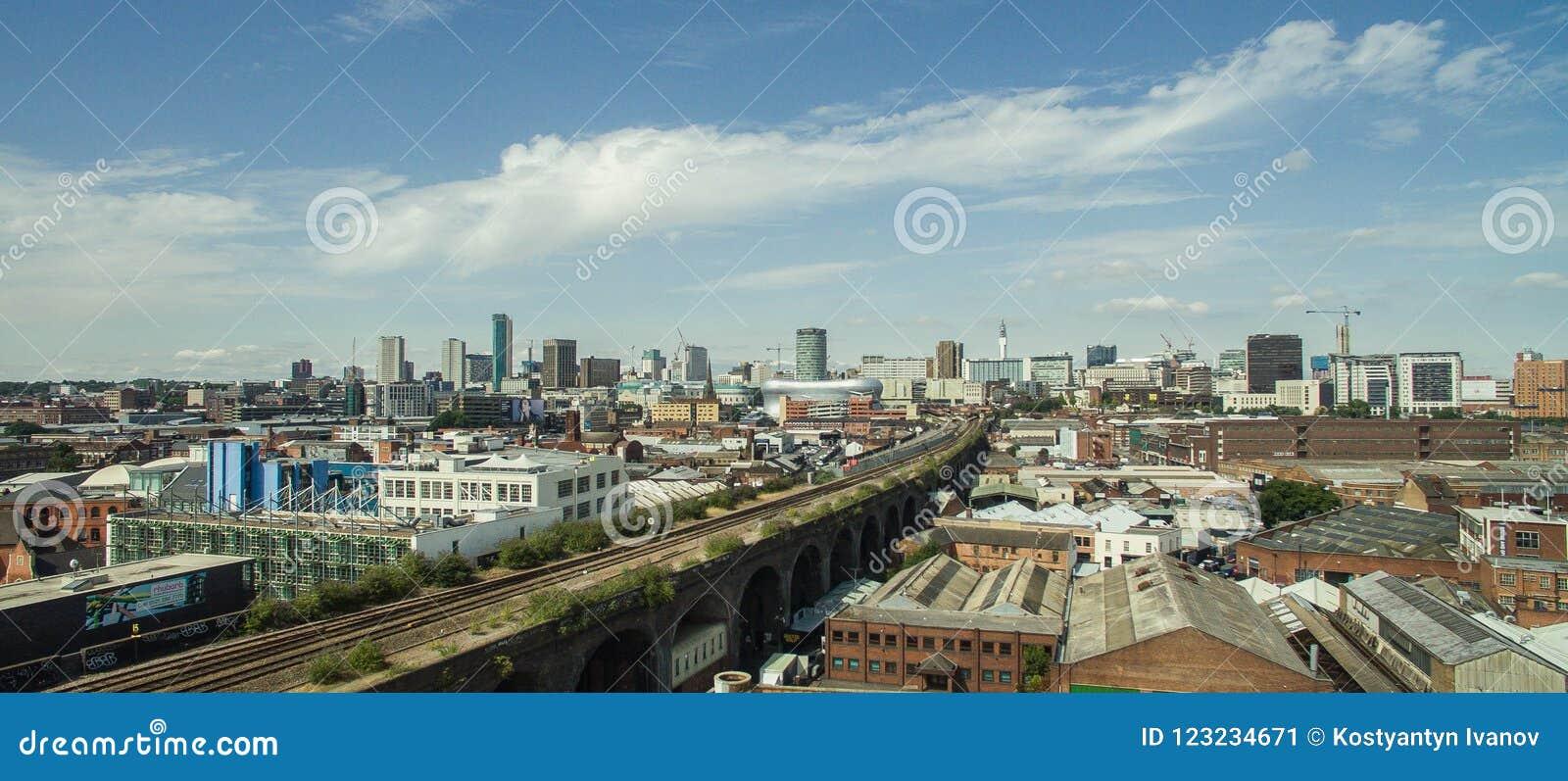 La foto de Birmingham, Reino Unido hizo por el abejón