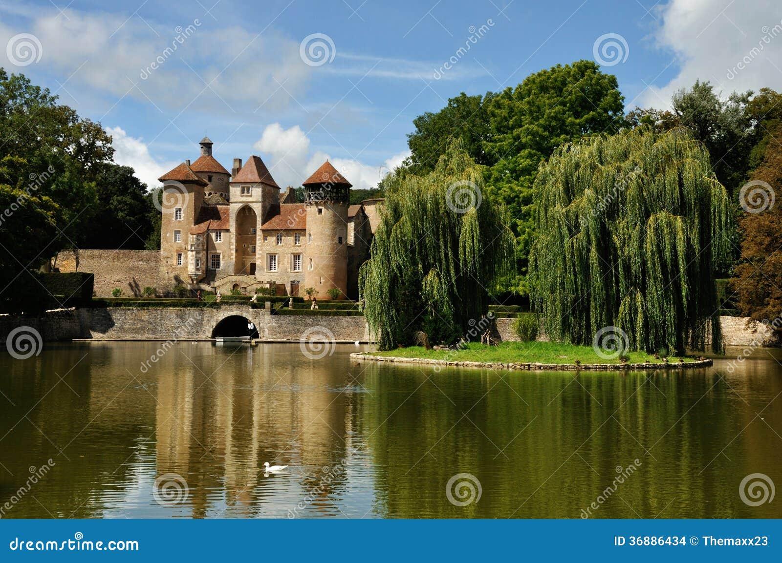 La francia castello nella regione di champagne fotografia for Champagne region in france