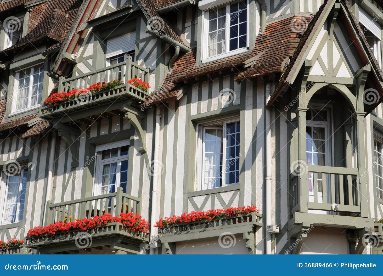 Download La Francia, Grande Hotel Pittoresco Normandia A Deauville In Normand Fotografia Stock - Immagine di france, esterno: 36889466