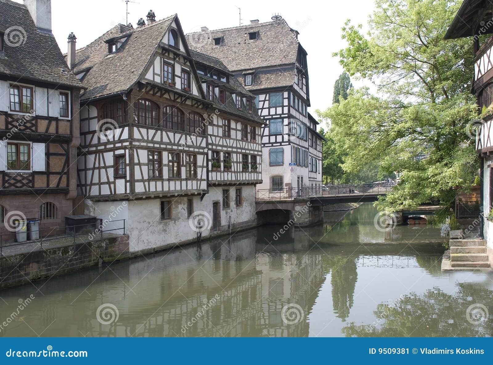 La francia strasburgo case antiche immagine stock for Case giapponesi antiche