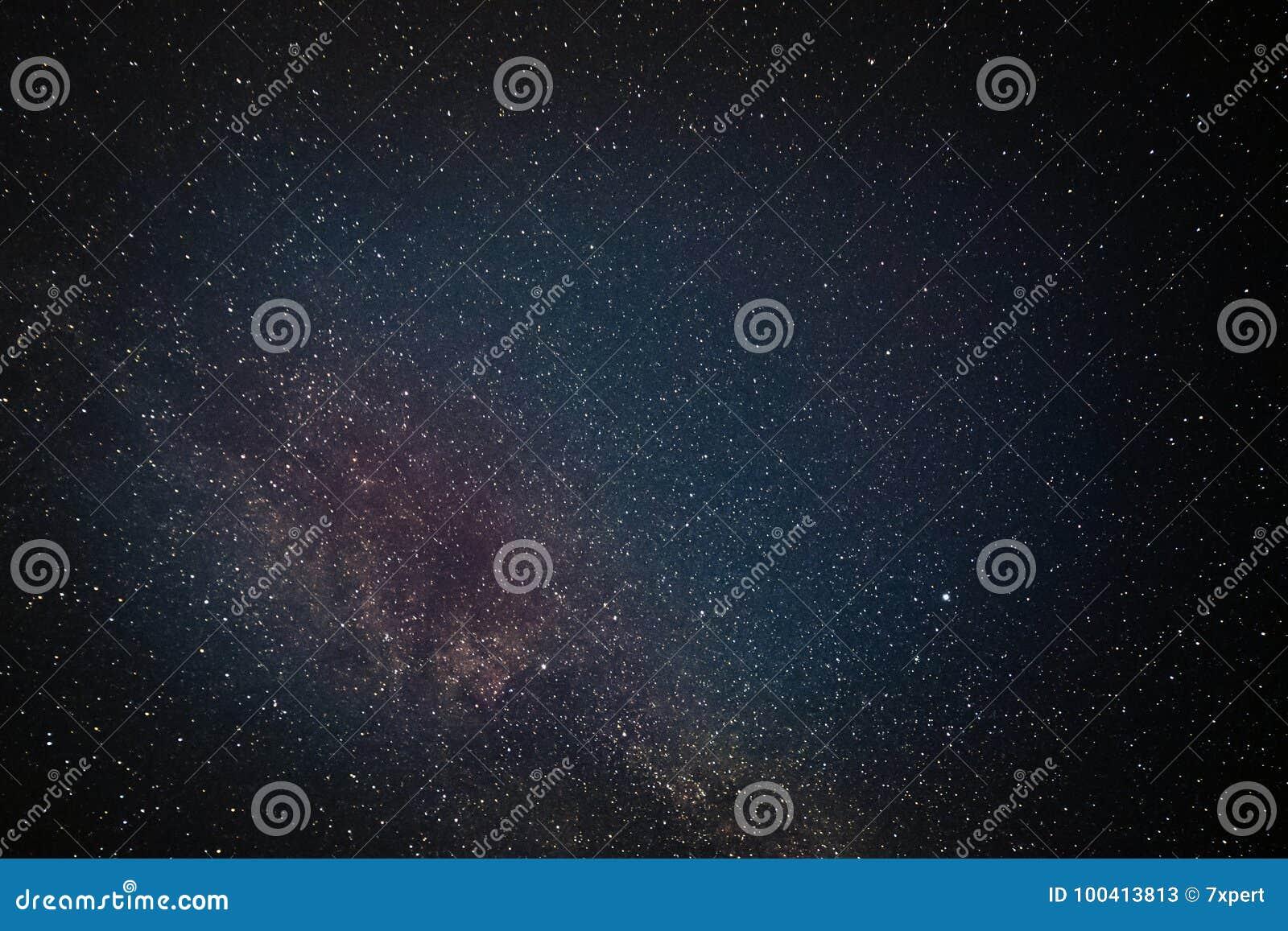 La galassia stars il cielo notturno
