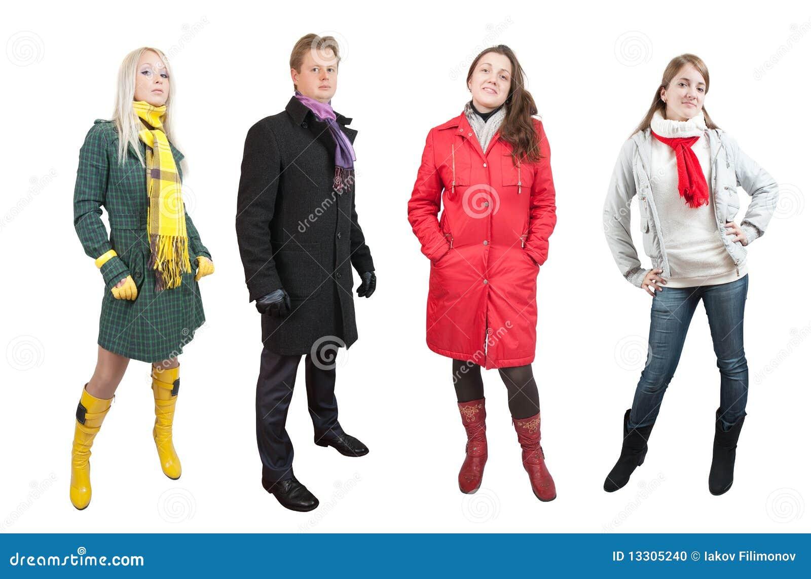 La gente in vestiti invernali