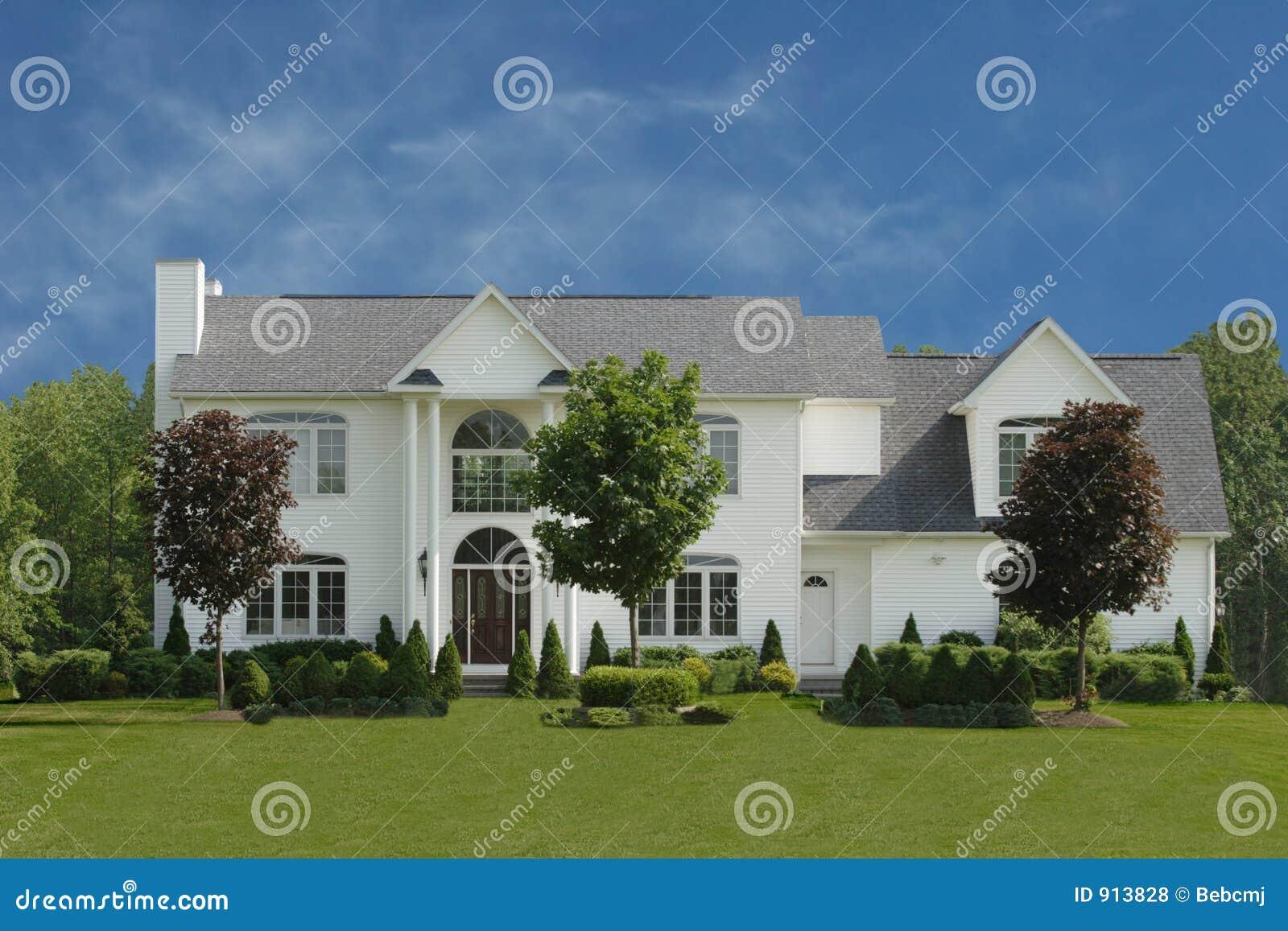La grande maison blanche photos libres de droits image - Rever d une grande maison ...