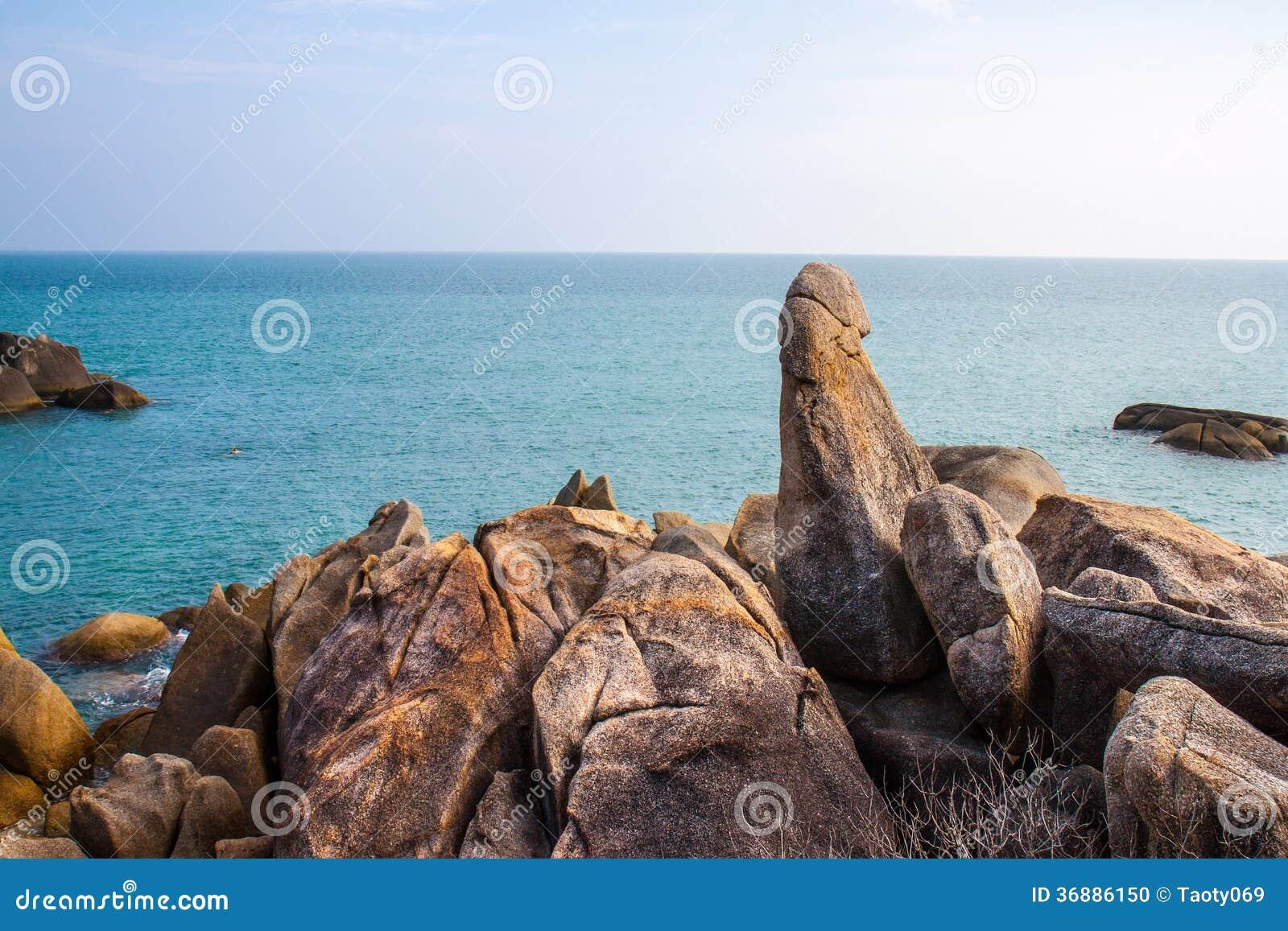 Download La grande roccia del padre fotografia stock. Immagine di giorno - 36886150