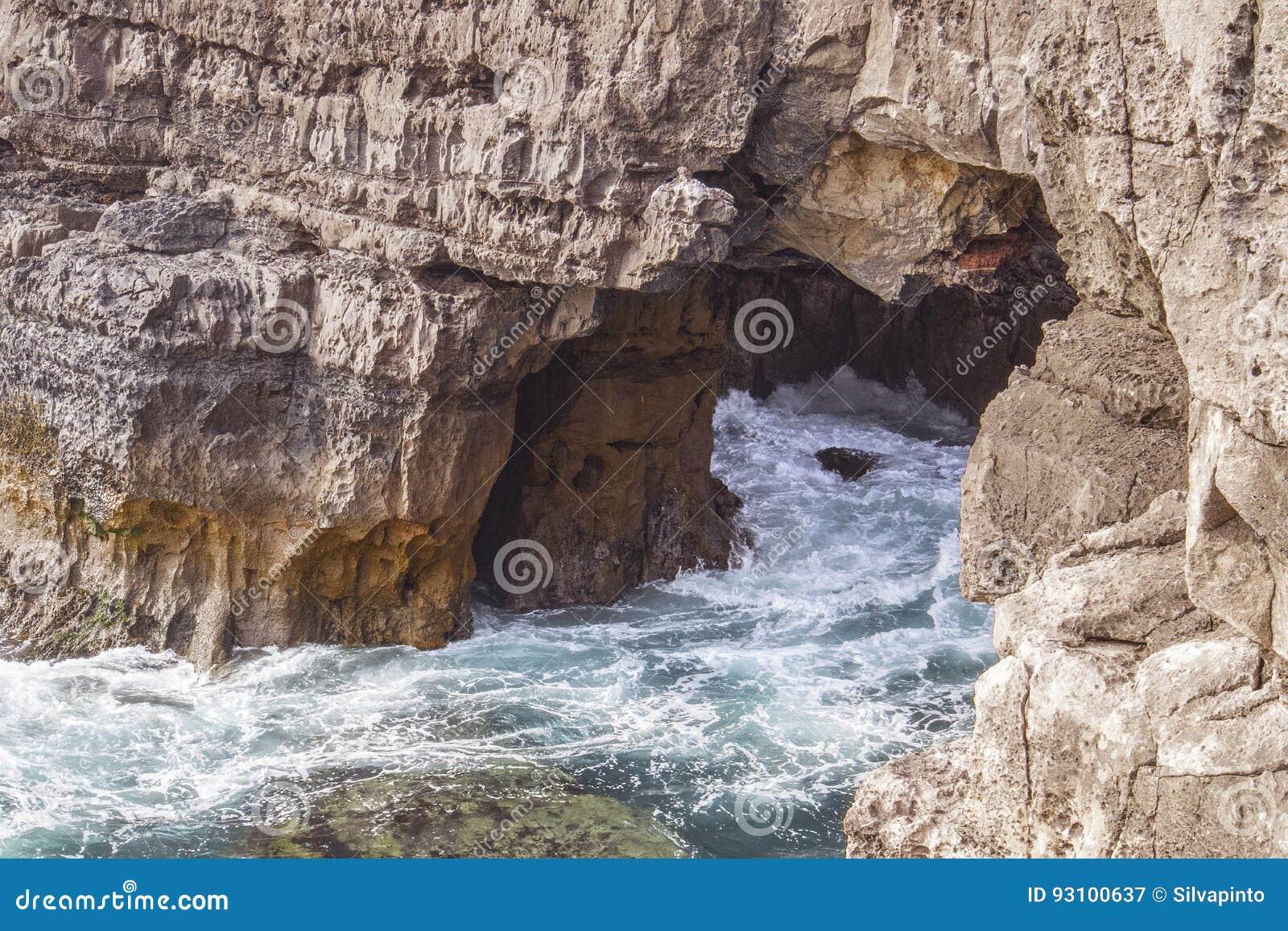 La grotta nel mare, boca fa l inferno