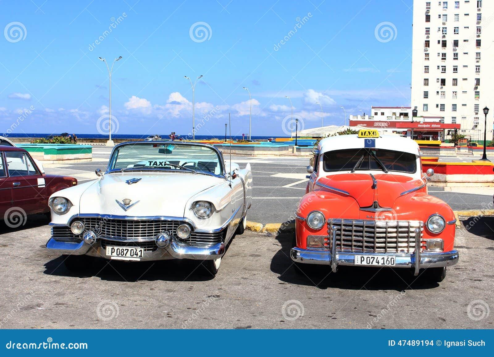 la habana cuba november 14th of 2014 old american cars provide taxi service to tourist all. Black Bedroom Furniture Sets. Home Design Ideas
