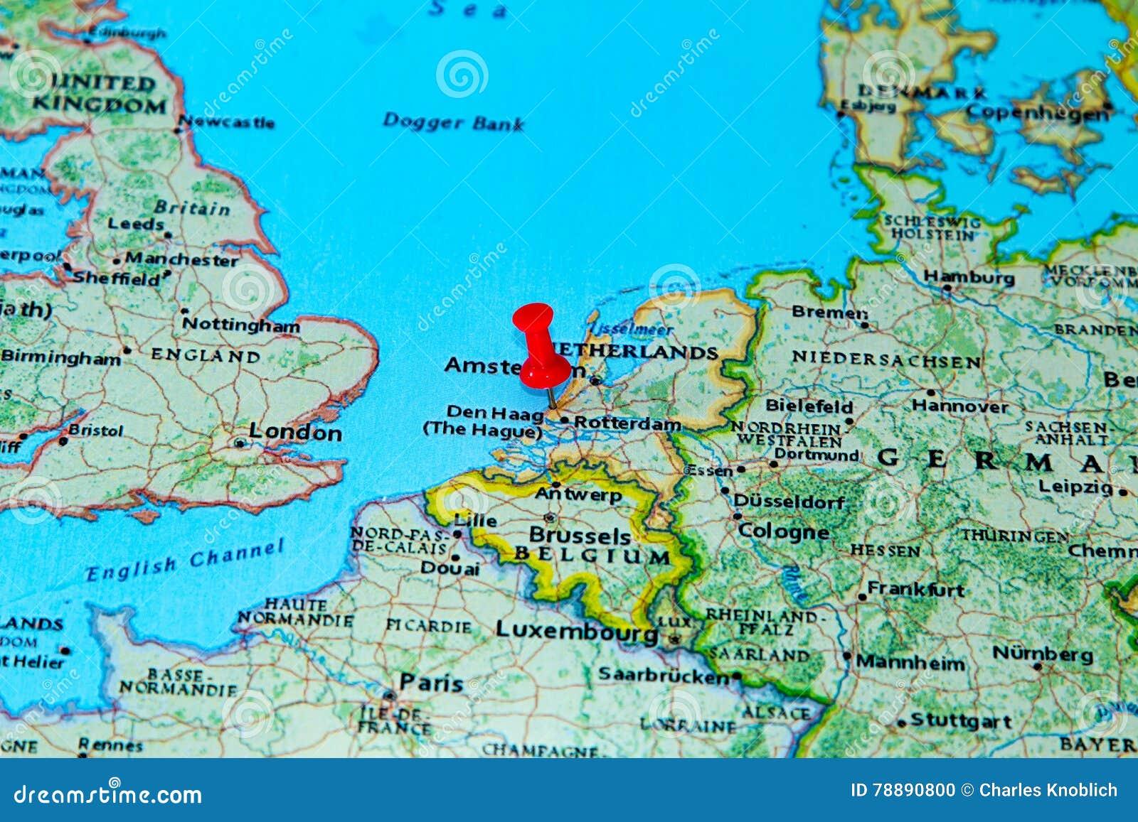 Carte Europe Pays Bas.La Haye Pays Bas A Goupille Sur Une Carte De L Europe Photo Stock