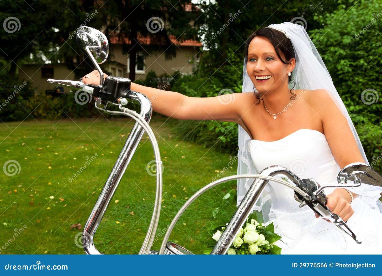 Robes de mariage Harley Davidson
