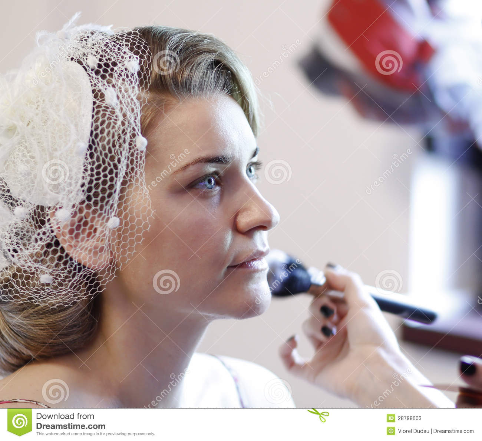 La jeune mariée composent