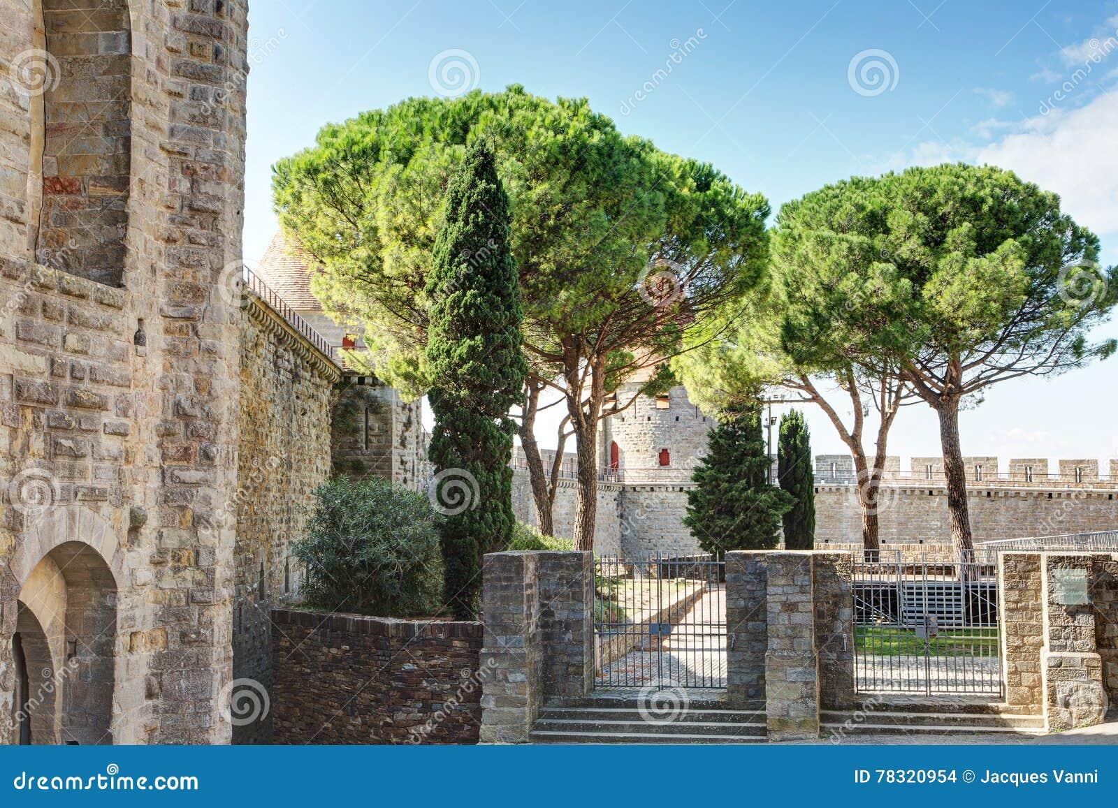 La La de dans de Saint Nazaire de Basilique citent De Carcassonne - Aude et x28 ; France& x29 ;