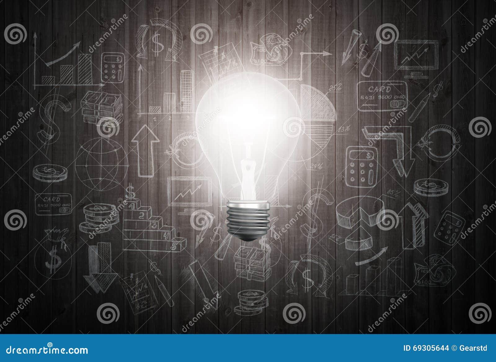 La lampadina d ardore sulla parete di legno con i grafici del disegno ed i grafici circa strategia di successo di affari progetta