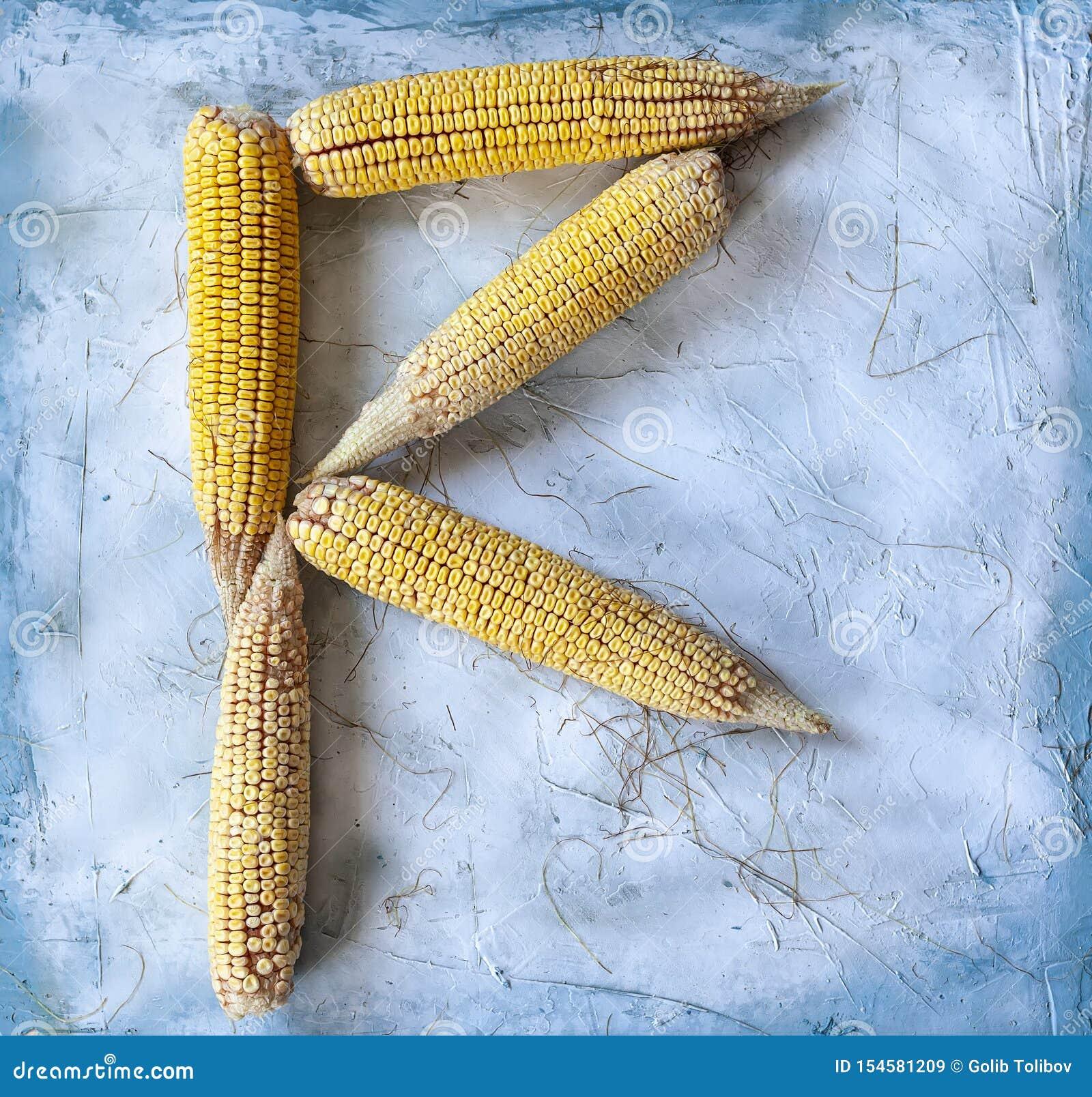 La lettre R a fait avec des grains