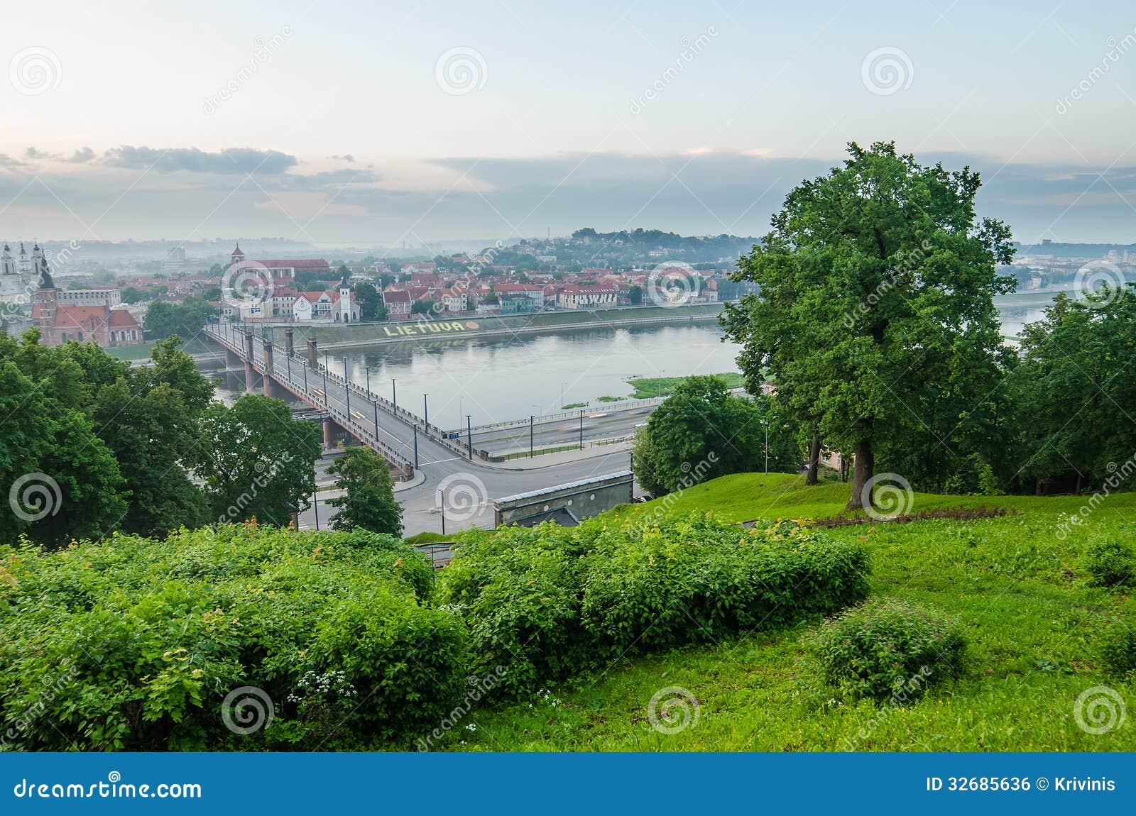 La Lituania. Kaunas Città Vecchia nella nebbia