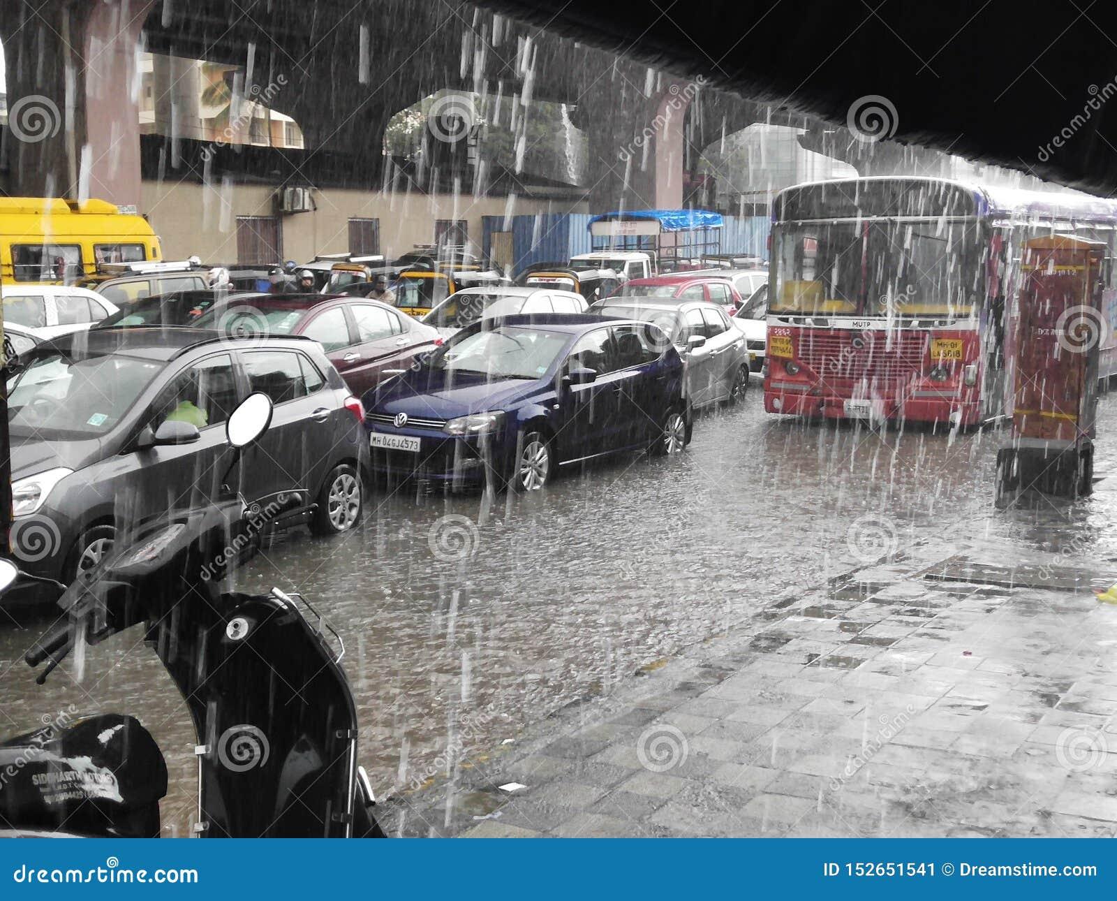 La lluvia de la lluvia sale
