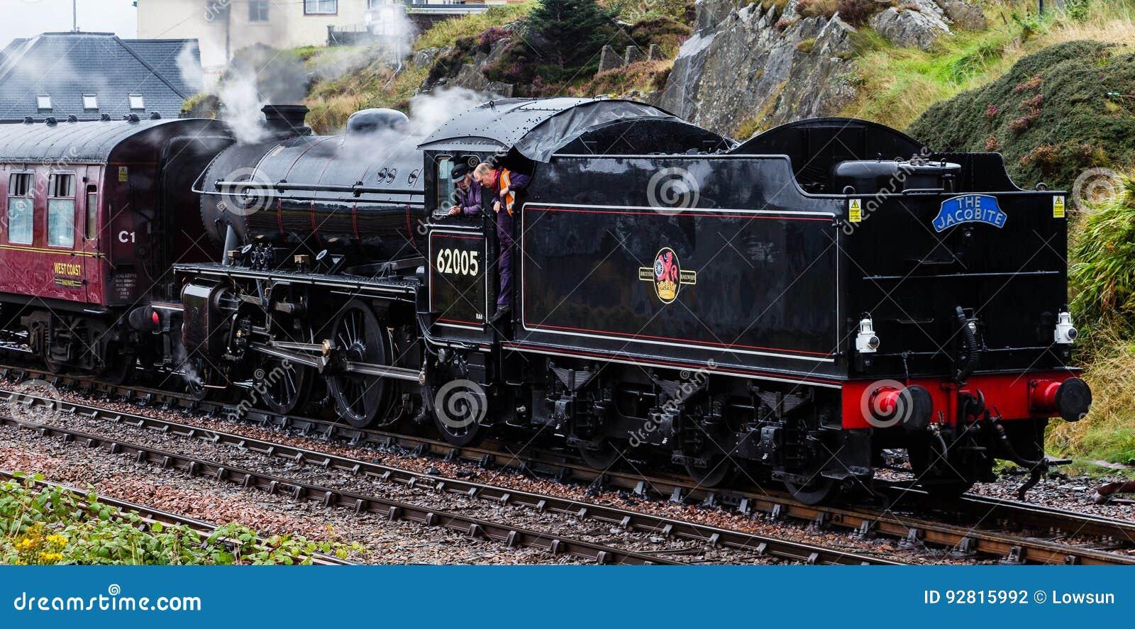 La locomotive à vapeur de Jacobite Mallaig de départ