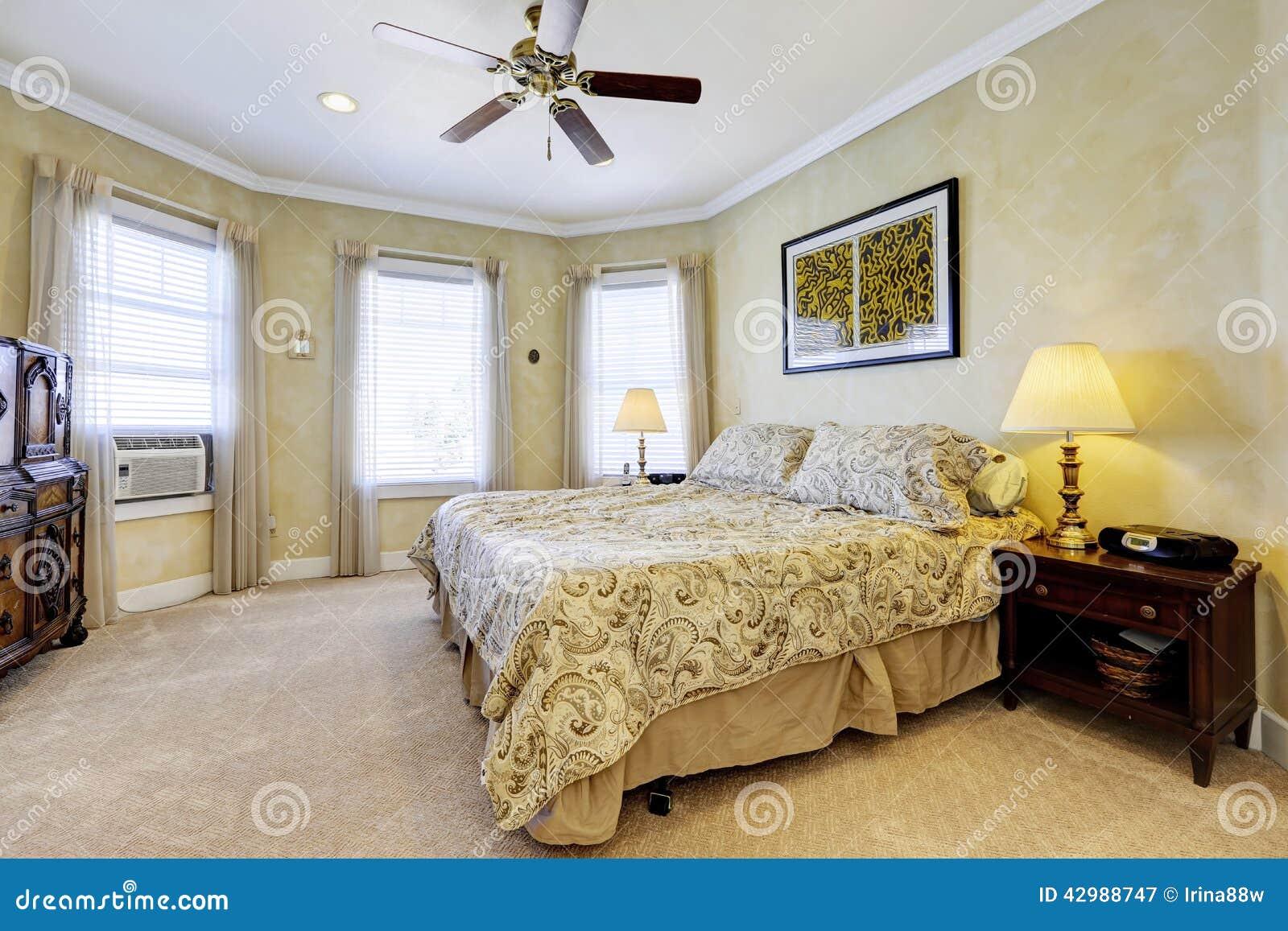La lumi re modifie la tonalit l int rieur de chambre for Interieur de chambre a coucher