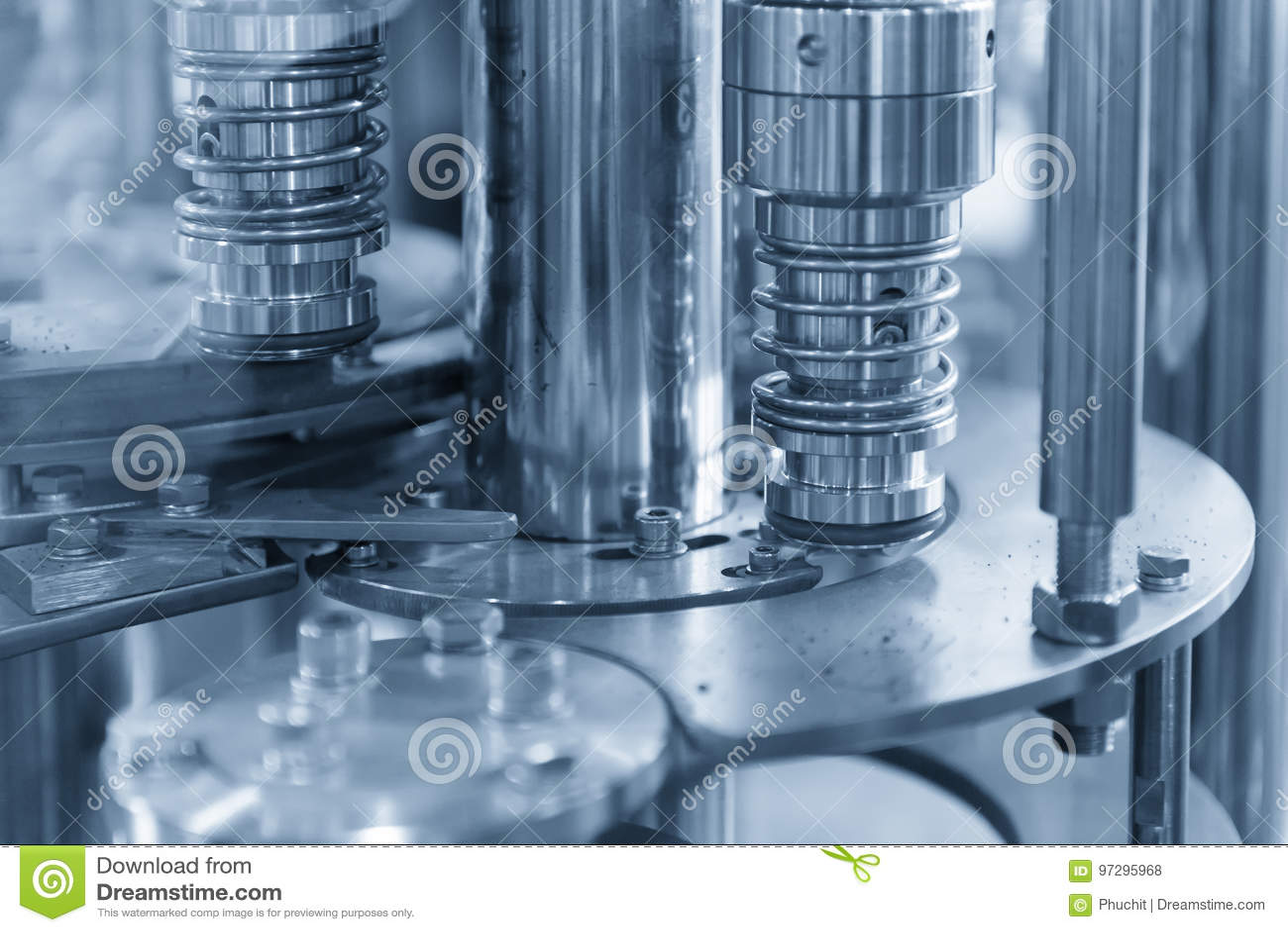 La máquina de la producción del embotellado