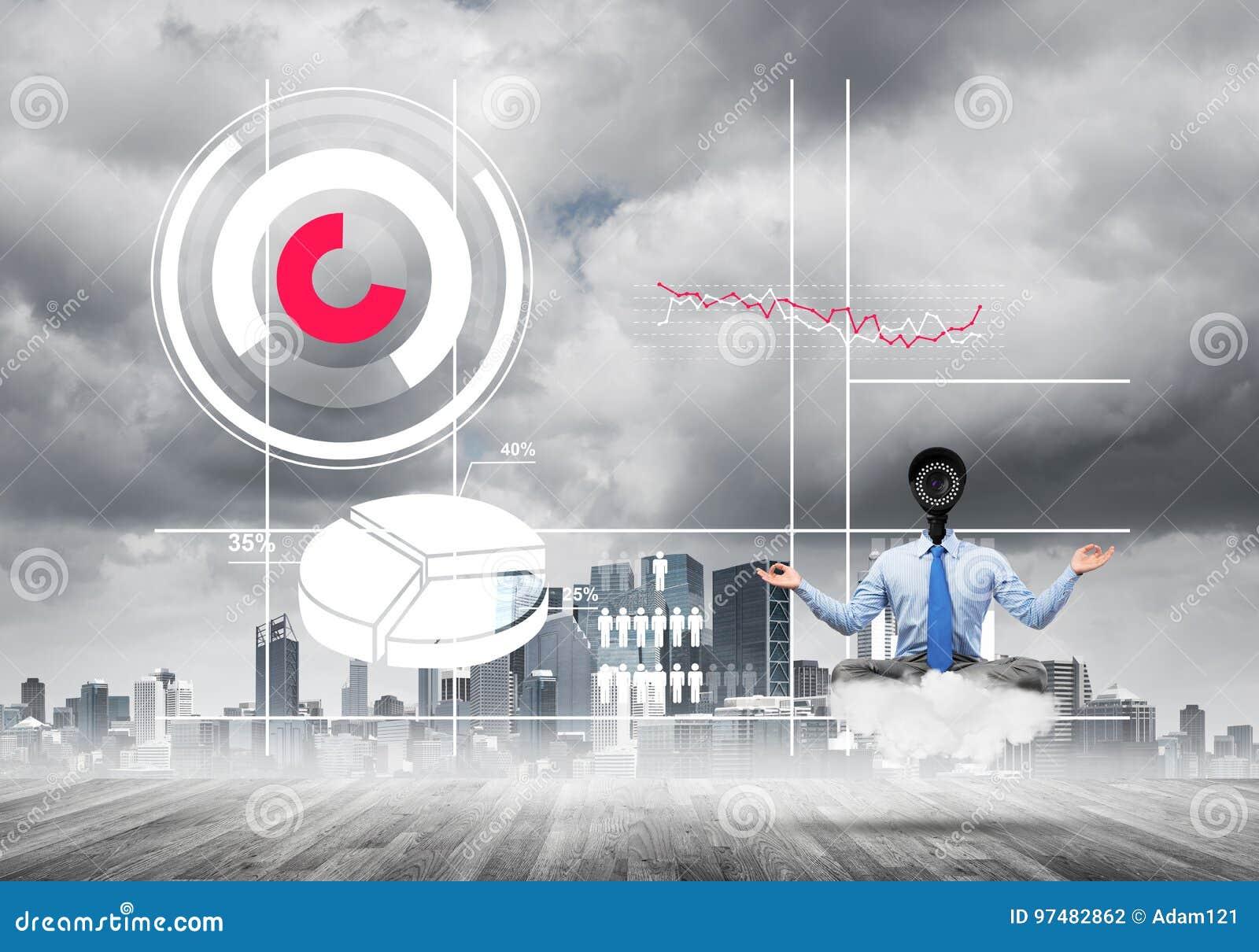 La macchina fotografica ha diretto l uomo che si siede nella posa del loto sulla nuvola contro il paesaggio urbano moderno