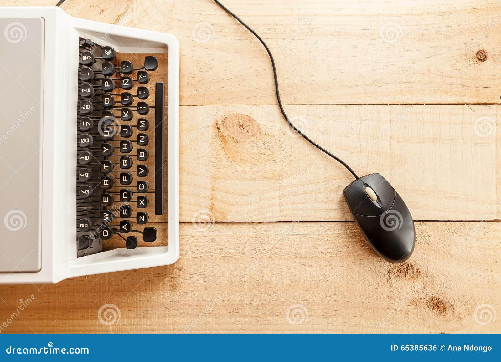 La machine à écrire et la souris