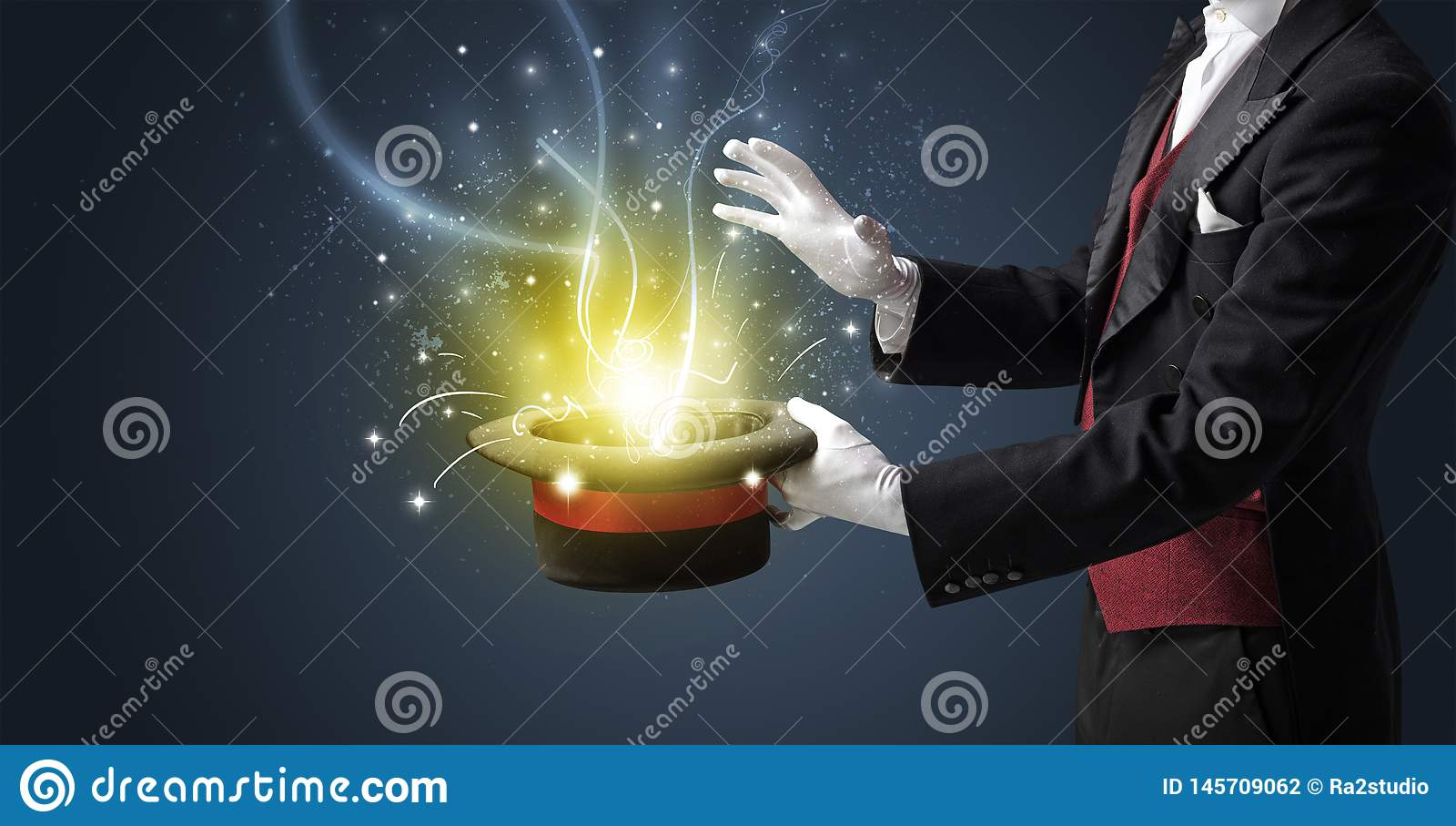 La main de magicien cr?ent le miracle du cylindre
