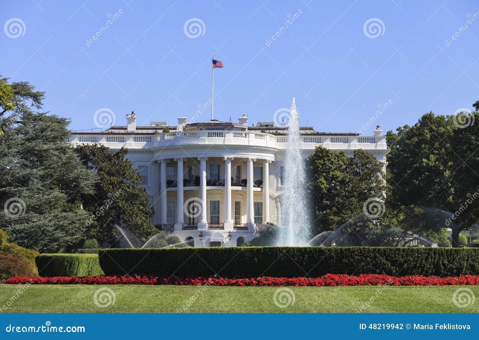 La maison blanche est la résidence principale et le lieu de travail principal du président des états unis situés à lavenue 1600 de la pennsylvanie le