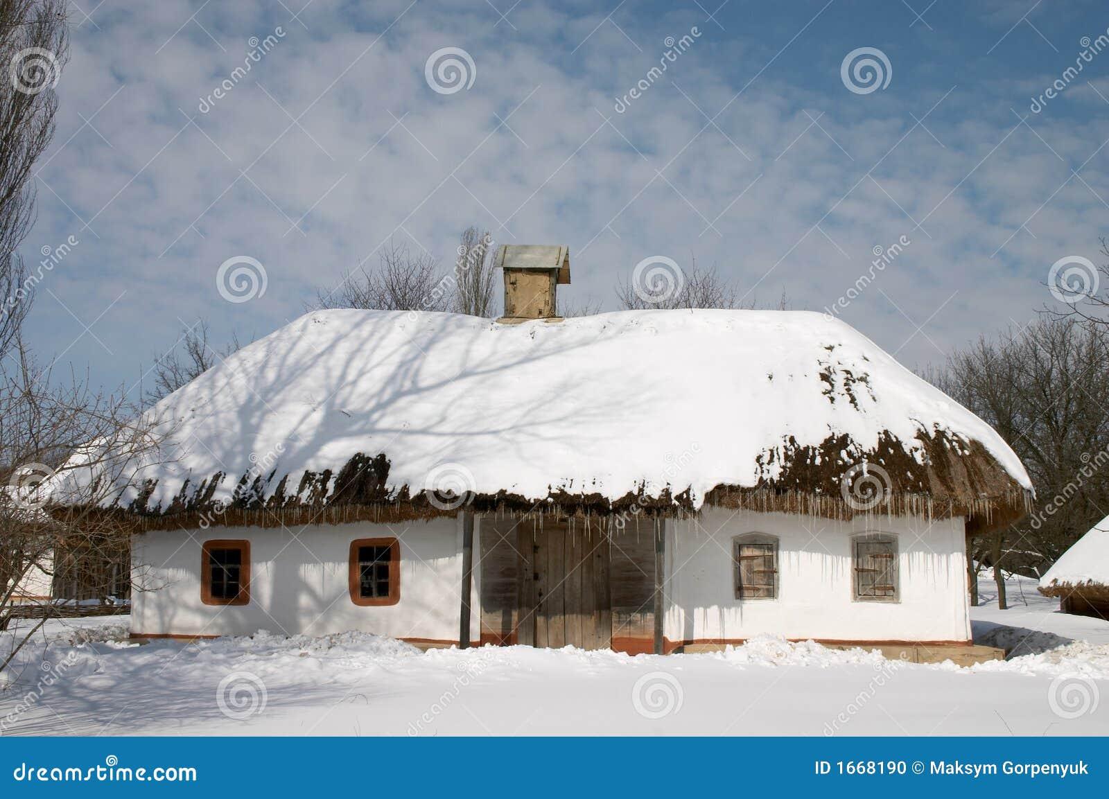 La maison du paysan sous la neige photo stock image 1668190 for La maison du paravent