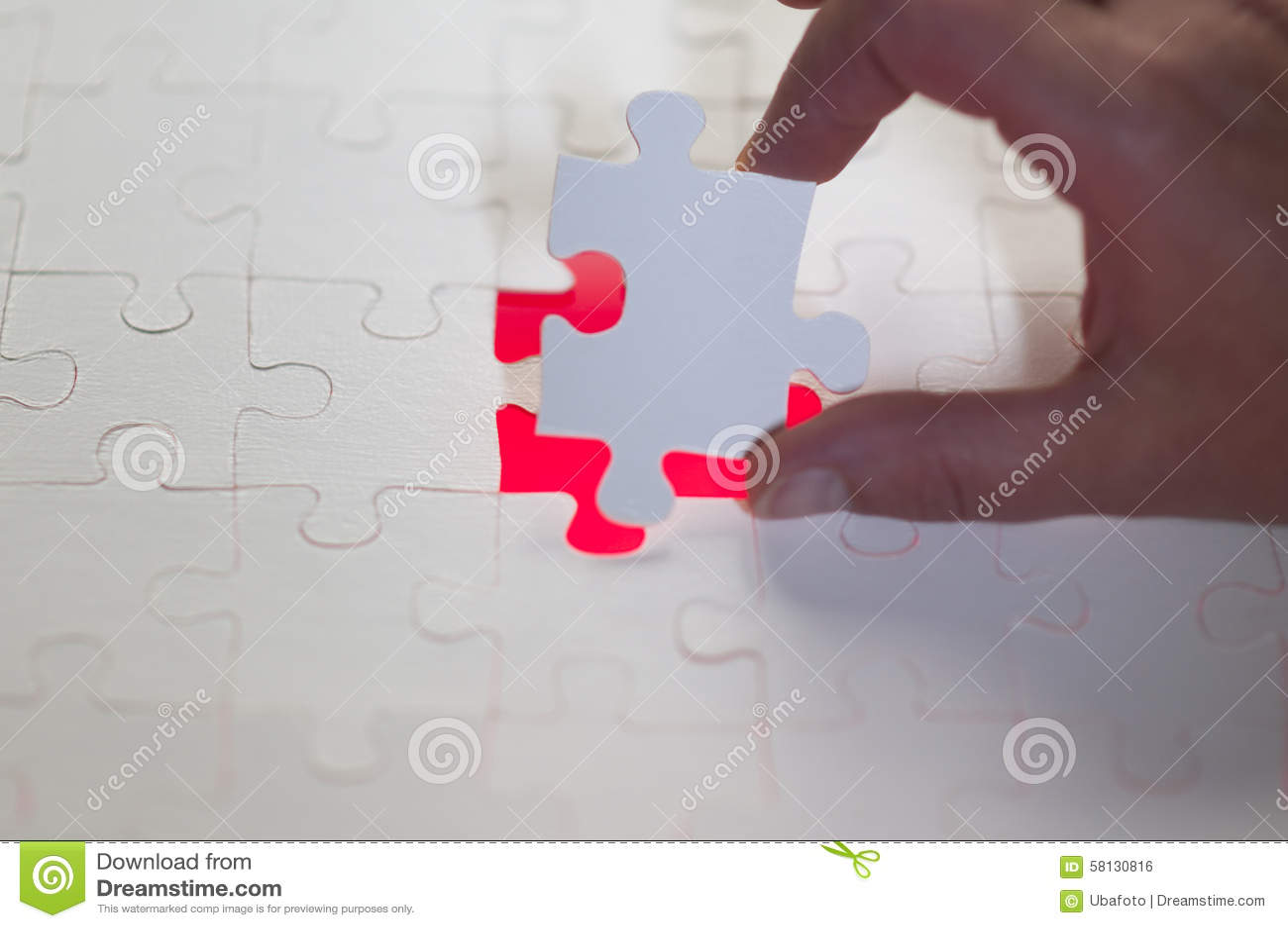 La mano un ultimo pezzo del puzzle fotografia stock - Collegamento stampabile un puzzle pix ...