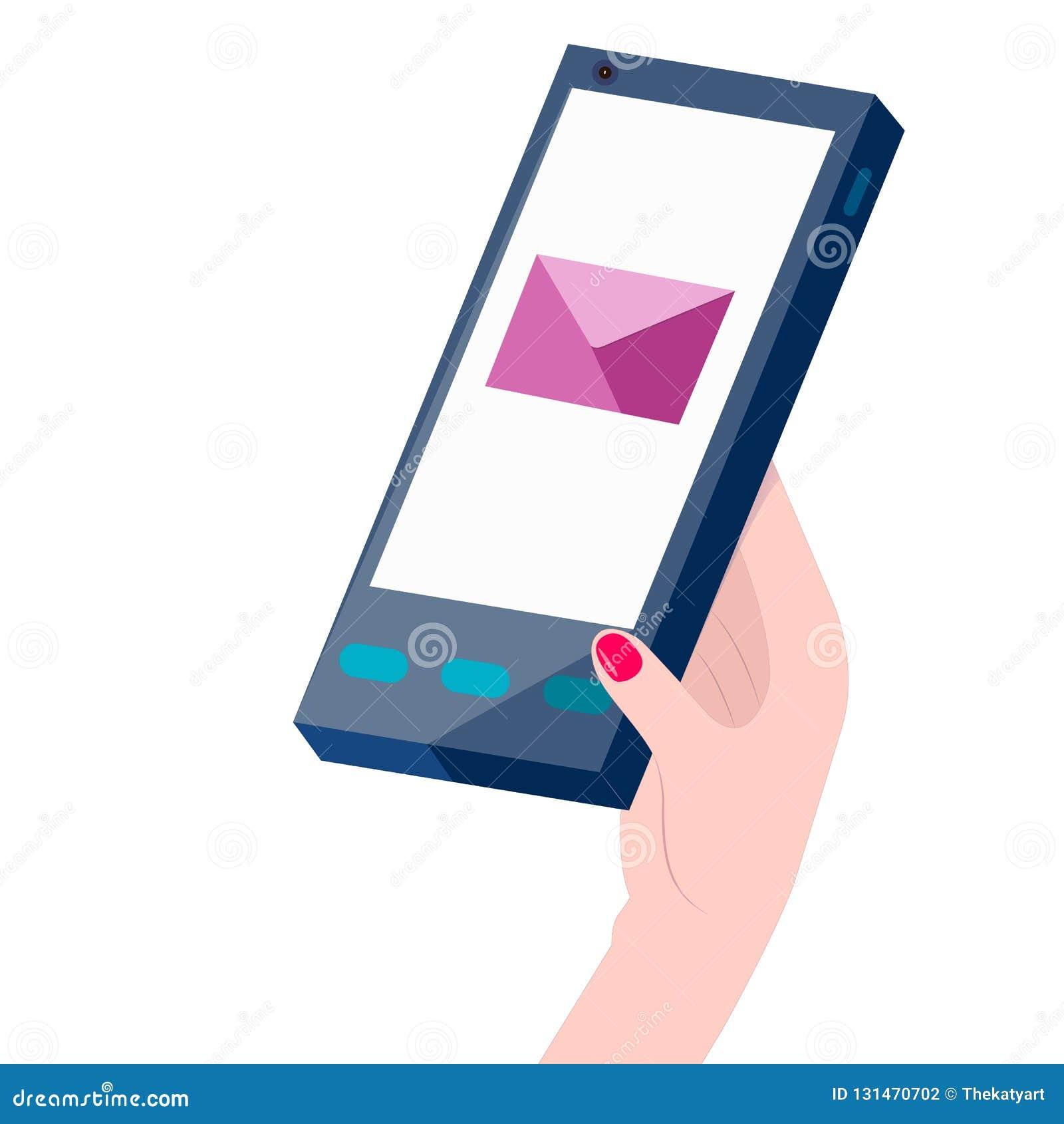 La mano de la mujer que sostiene un teléfono con SMS o el correo electrónico