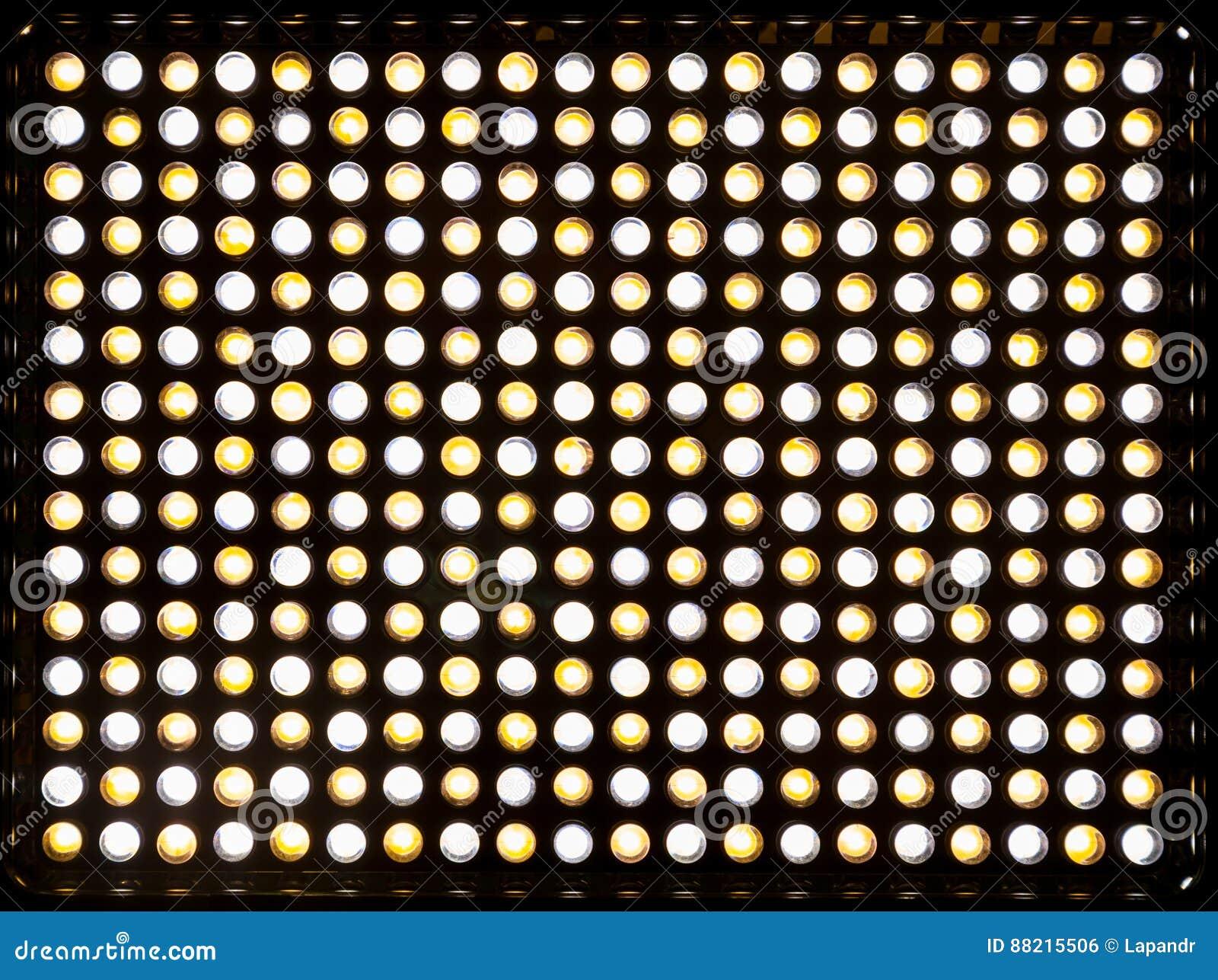 La matrice LED jaune et blanche de 300 Dispositif d éclairage avec la température de couleur variable Kelvin 3200-5500 Actionné p