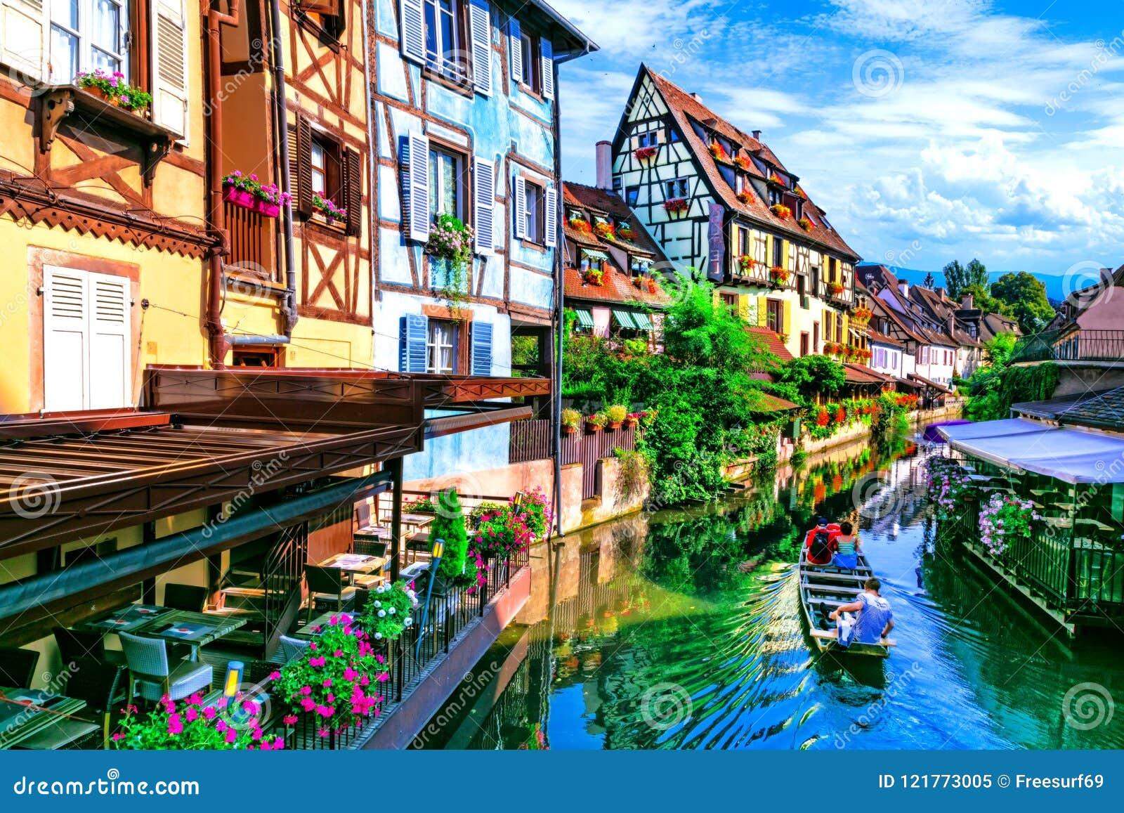 La mayoría de los pueblos tradicionales hermosos de Francia - Colmar en Alsacia