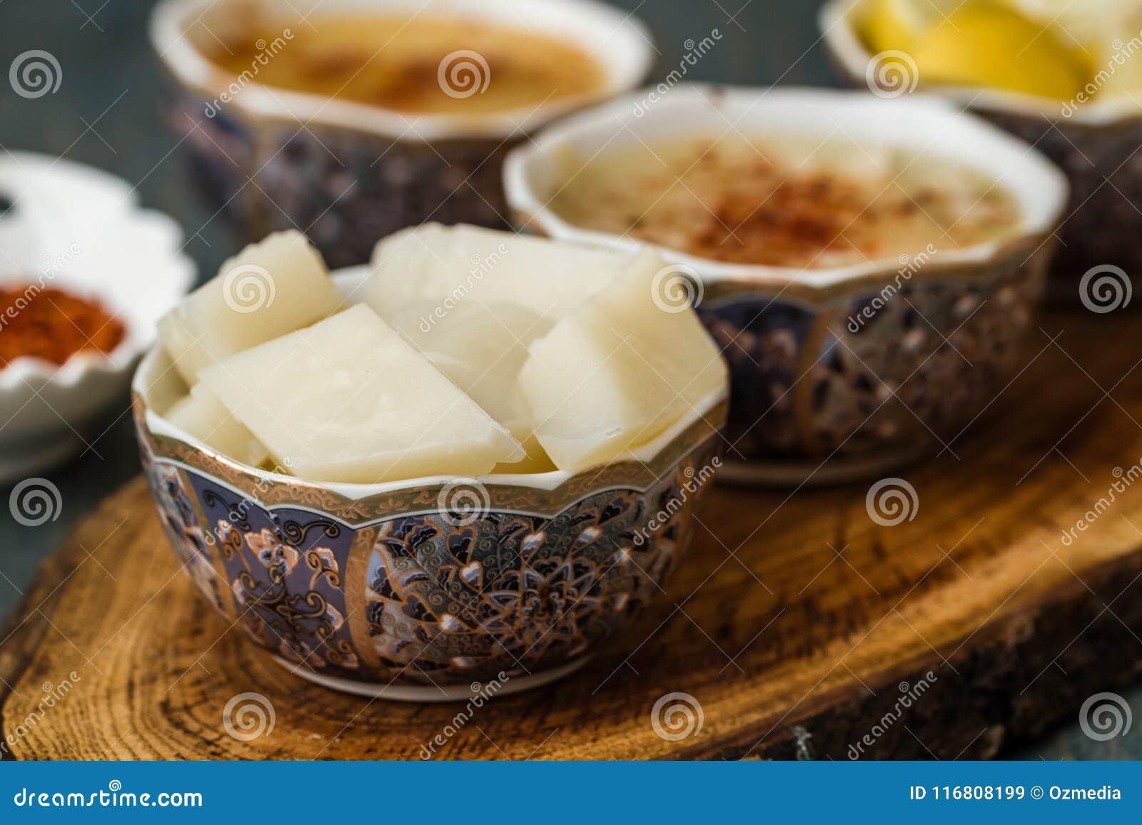La minestra di Arabasi, pollo ha basato la minestra dalla cucina turca