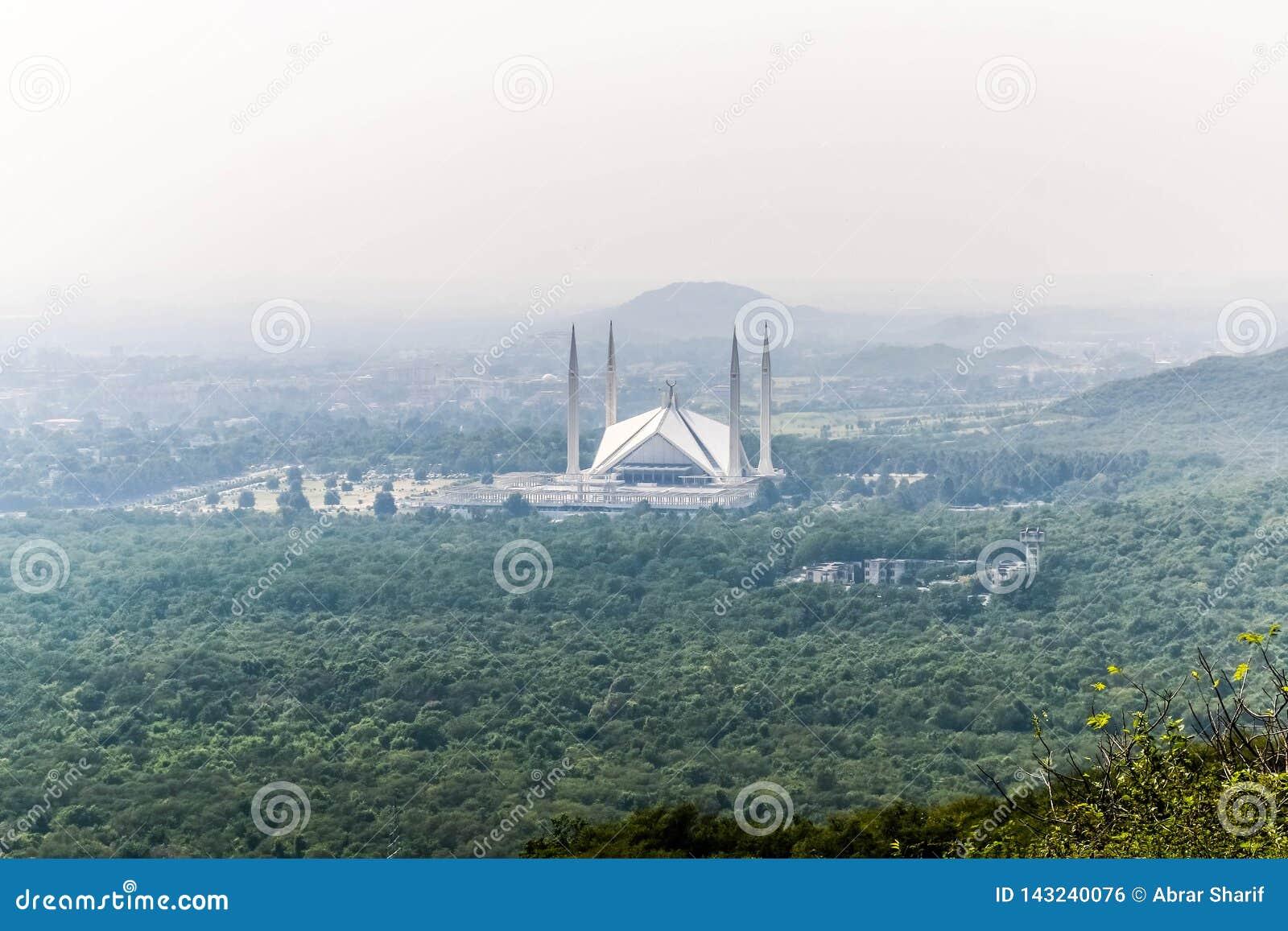 La moschea di Faisal dello scià è il masjid a Islamabad, Pakistan Individuato sulle colline pedemontana delle colline di Margalla