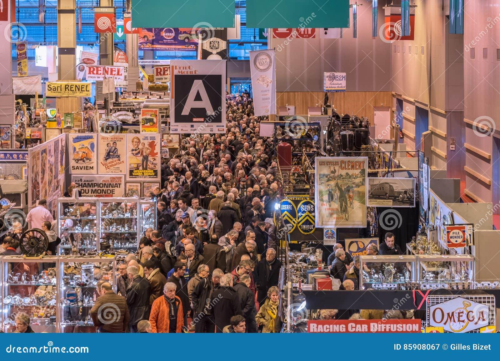 La muchedumbre en los pasillos de la demostración