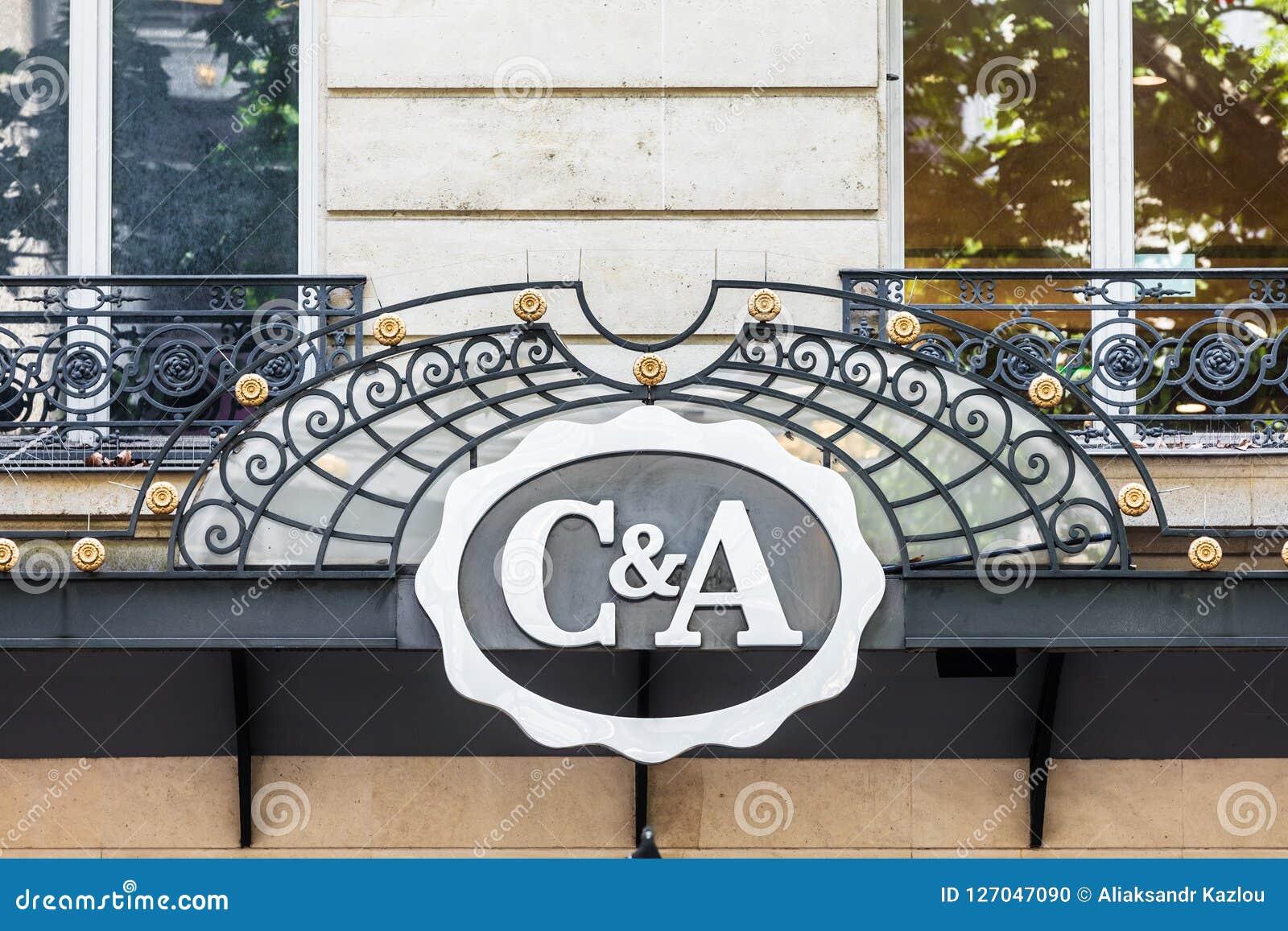 La Muestra Y Logotipo De C A Paris Francia Imagen Editorial Imagen De Branding Configuracion 127047090