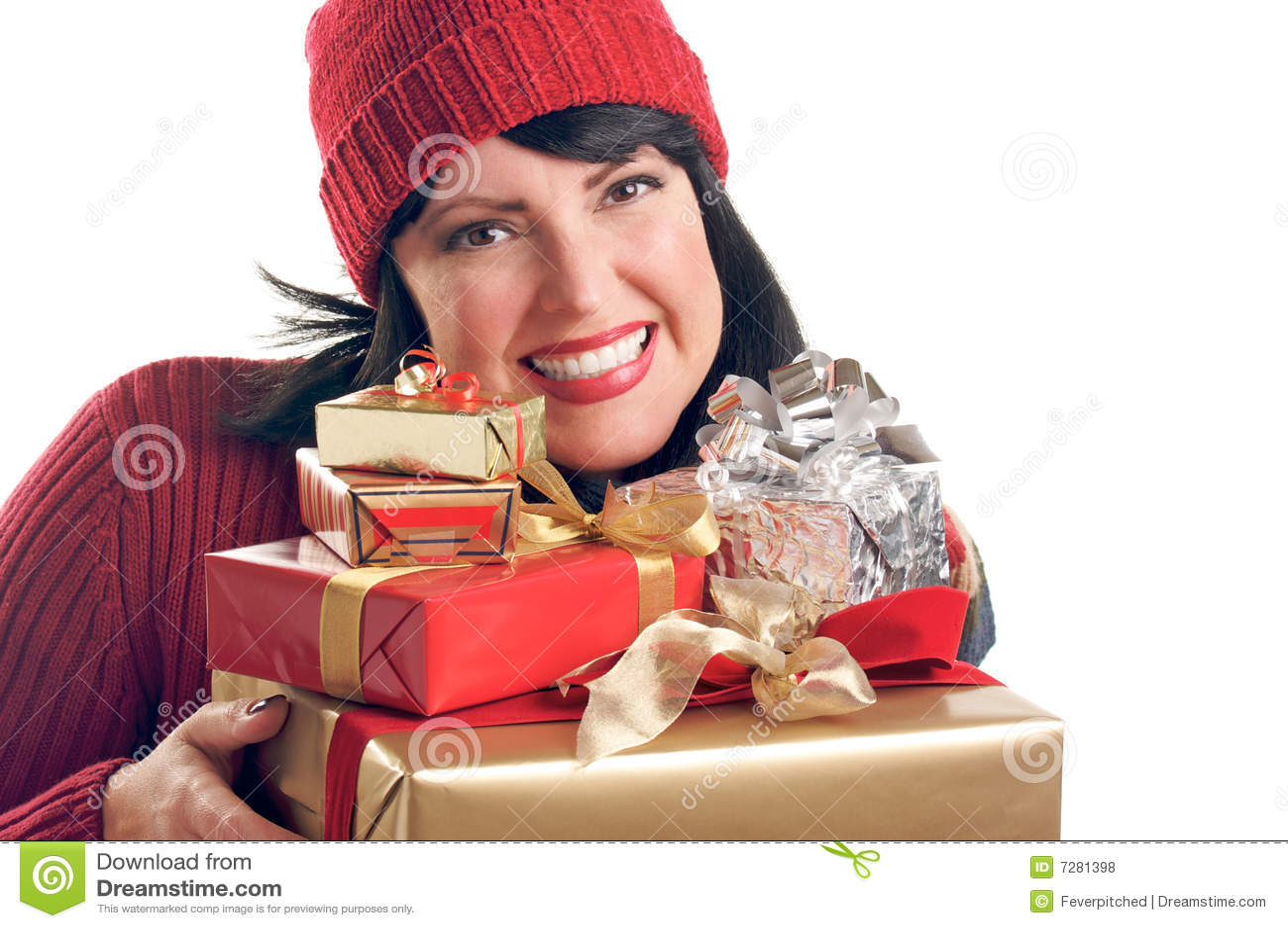 La mujer atractiva sostiene los regalos