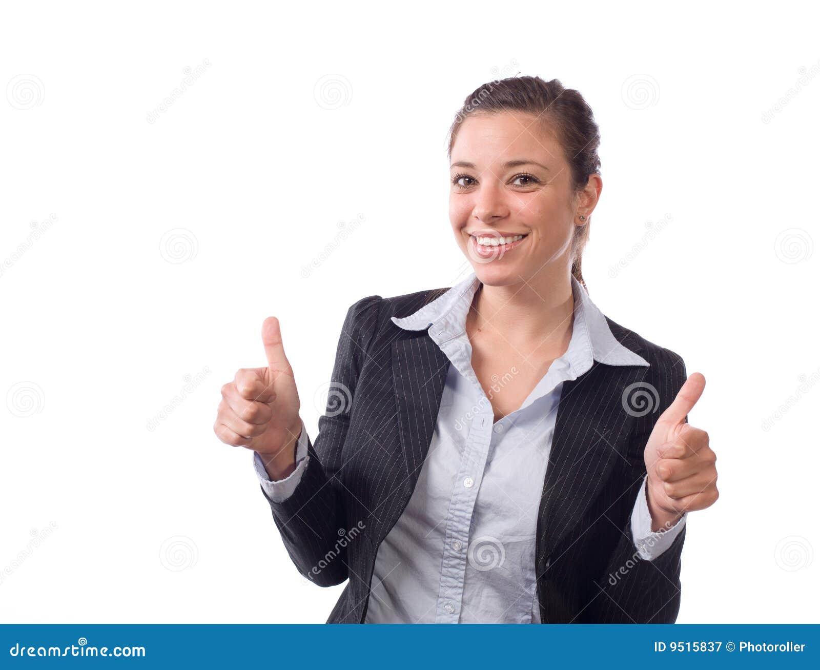 La mujer de negocios manosea con los dedos para arriba