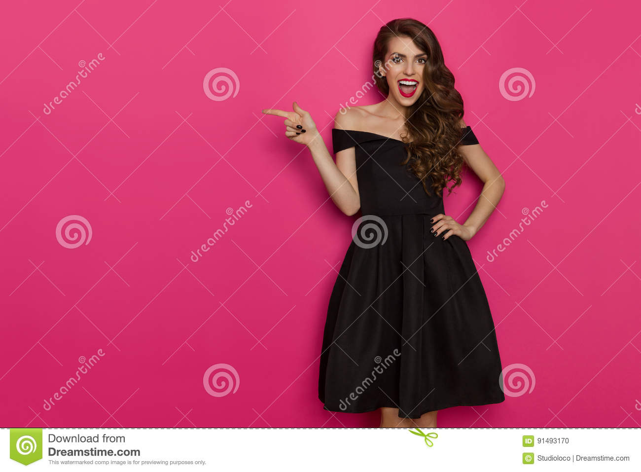 Vestido Negro Simple Stock Images - Download 825 Photos