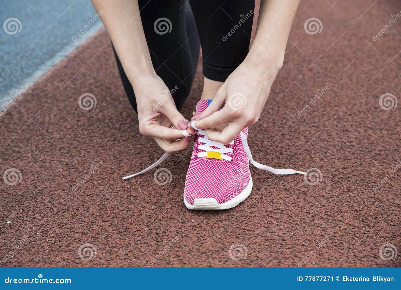 La Mujer Entra Para Los Deportes Foto de archivo