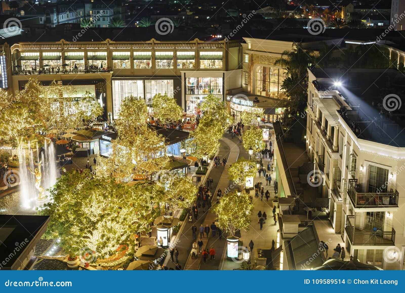 La Navidad en la alameda de compras, Galleria de Glendale