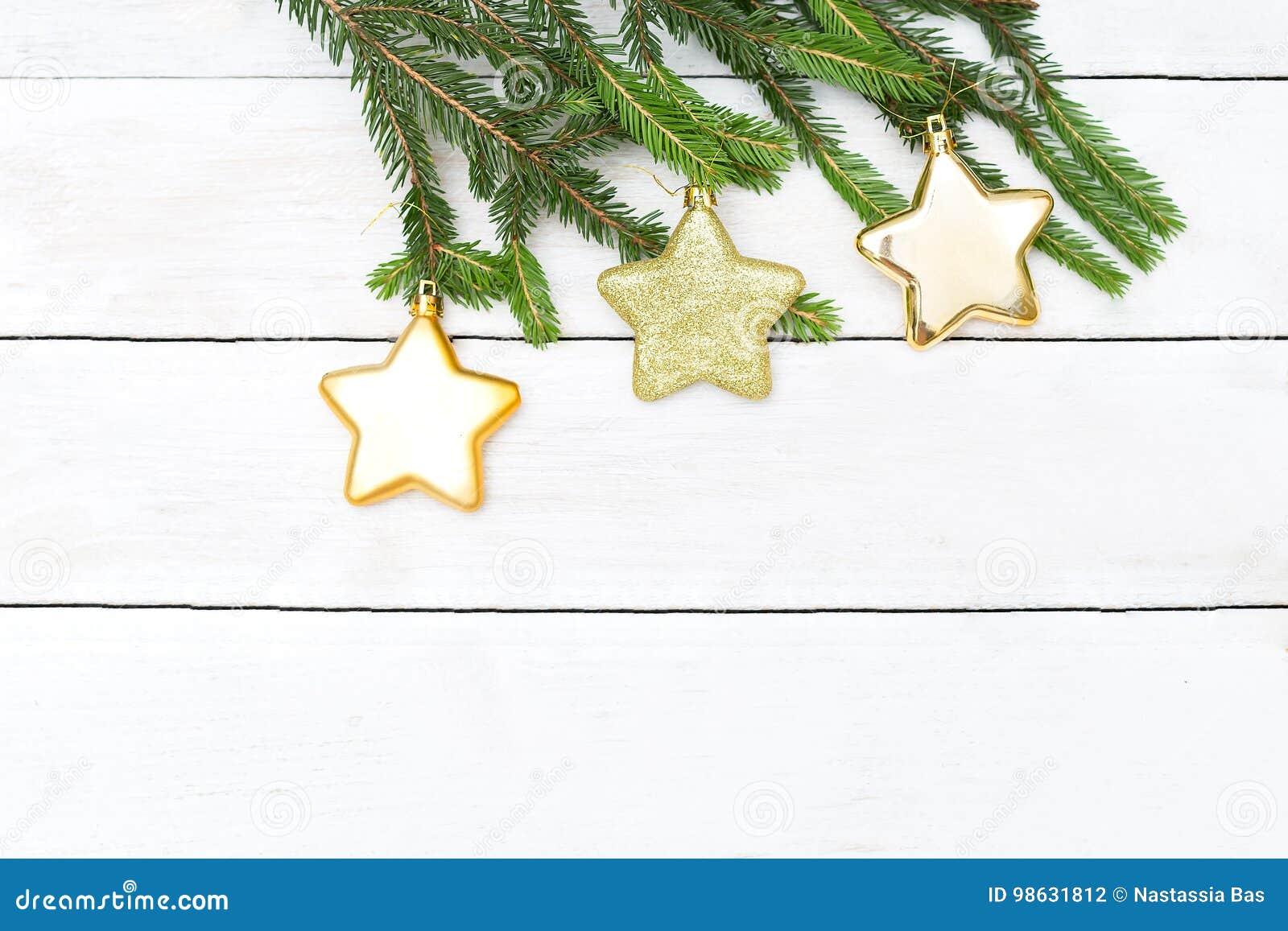 La Navidad Juguetes del árbol de navidad en una ejecución de la rama