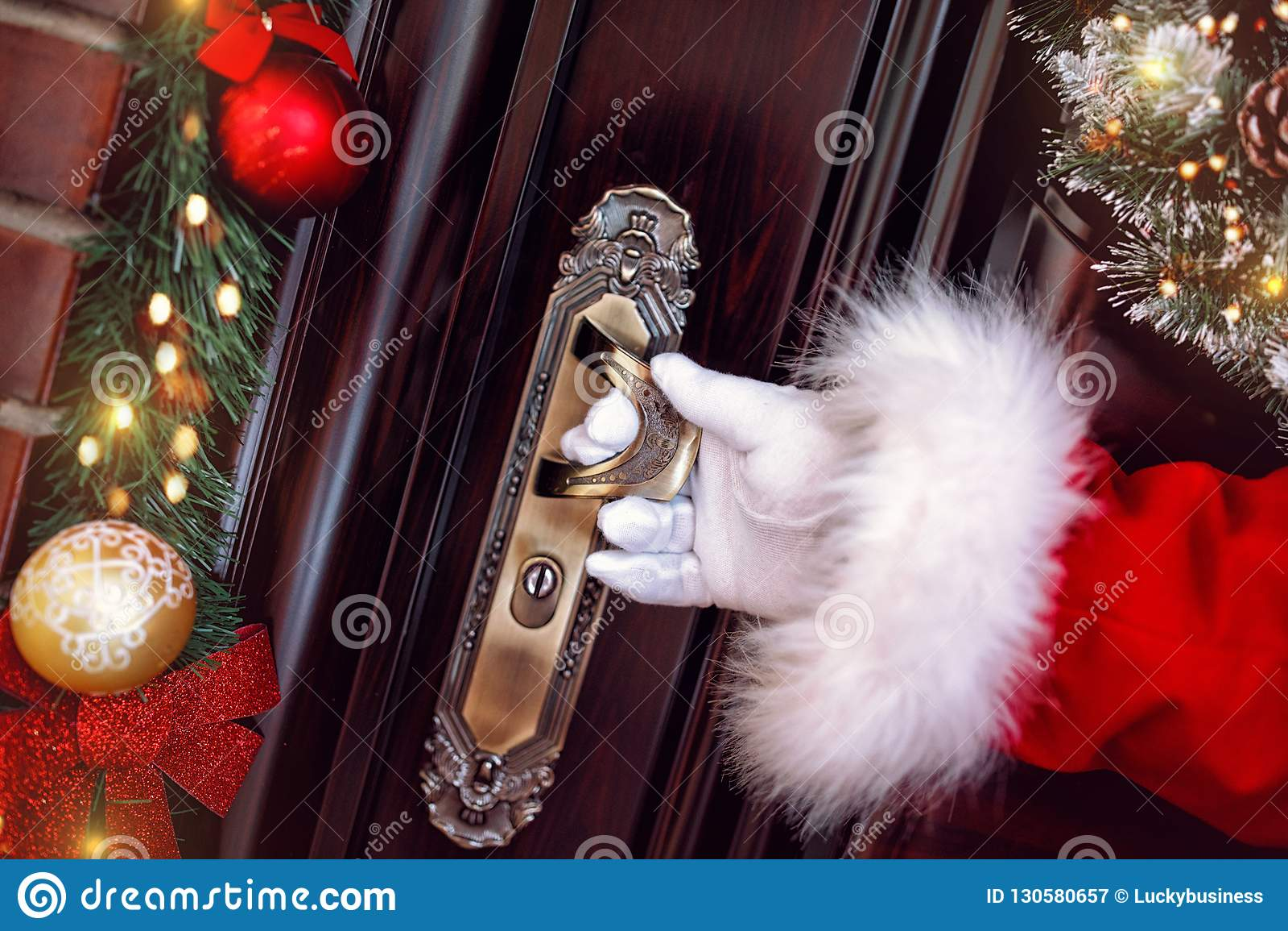 La Navidad, los días de fiesta y el concepto de la gente llega Santa Claus