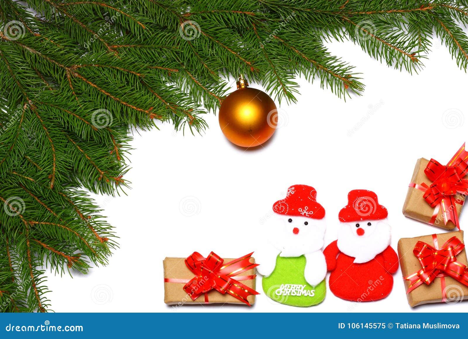 La Navidad Visión superior con el espacio de la copia árbol de abeto con el cono aislado en el fondo blanco