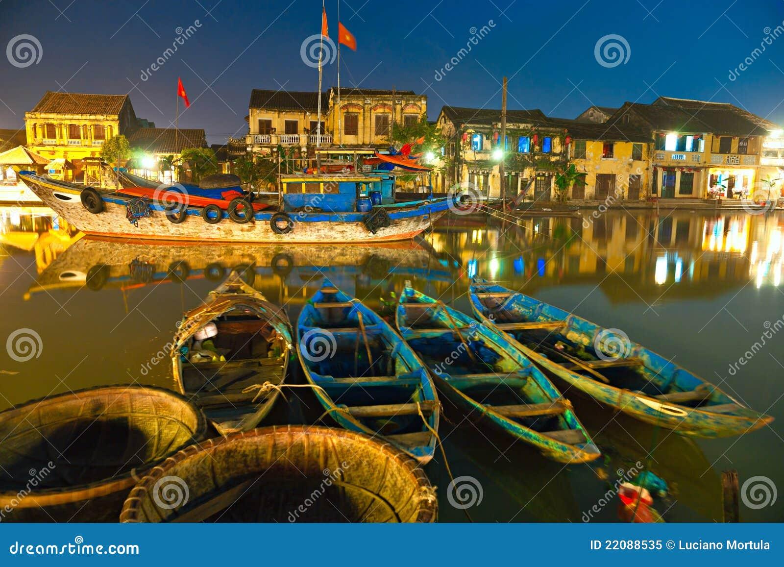 La noche tiró de Hoi. Vietnam