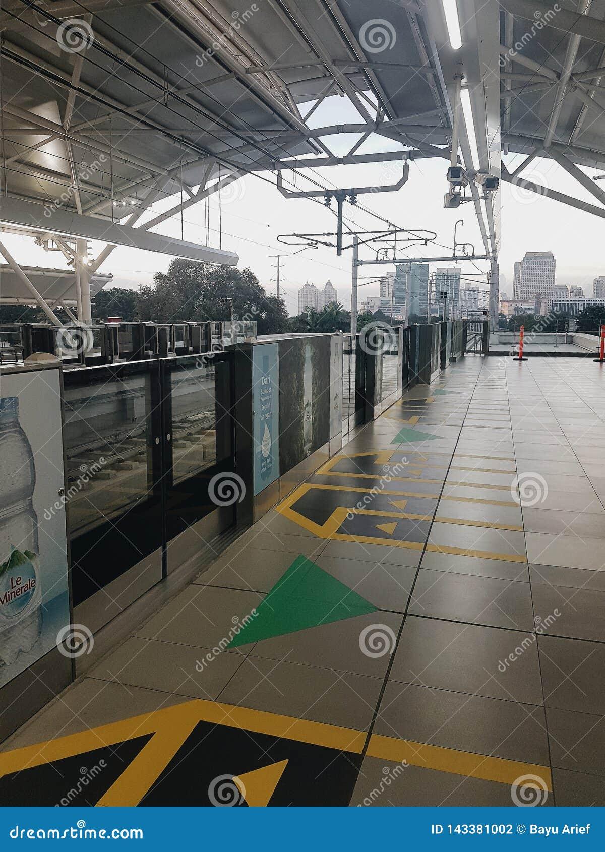 La nuova e stazione moderna di MRT a Jakarta