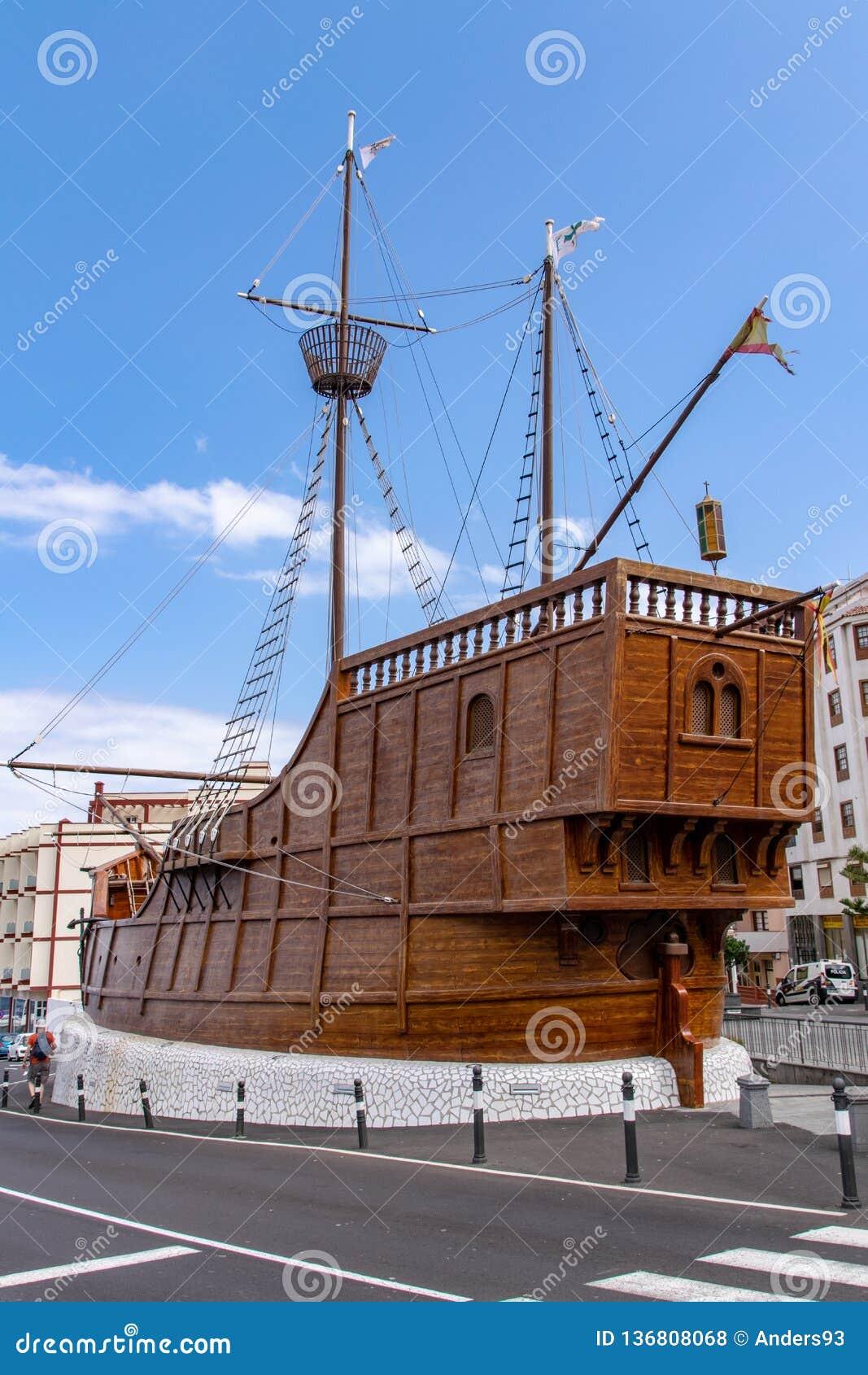 La Palma Maritime Museum como uma réplica do navio de Christopher Columbus Santa Maria em Santa Cruz de la Palma, Ilhas Canárias,